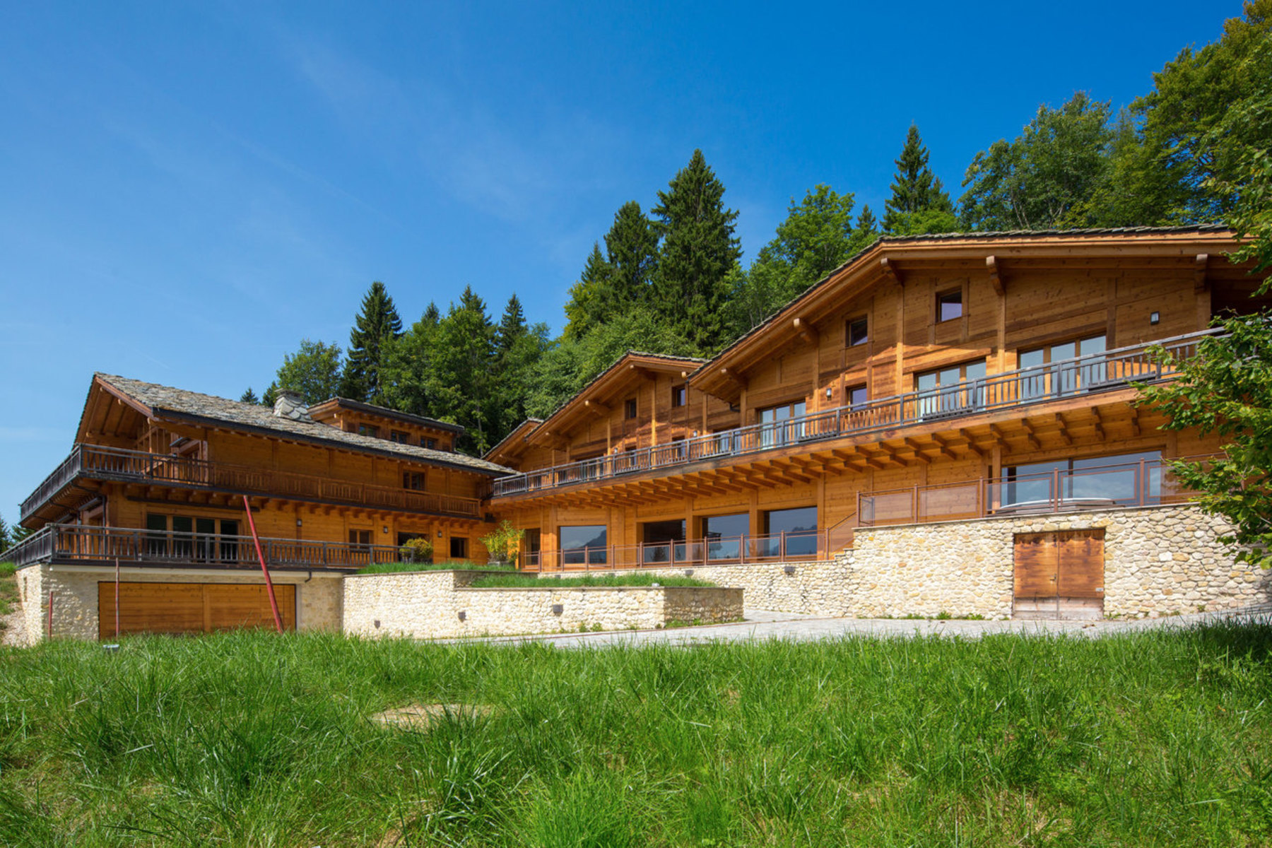 Single Family Homes for Sale at Luxury property in the heart of verdant grounds stretching over 6.5 hectares Villars-sur-Ollon Villars-Sur-Ollon, Vaud 1884 Switzerland