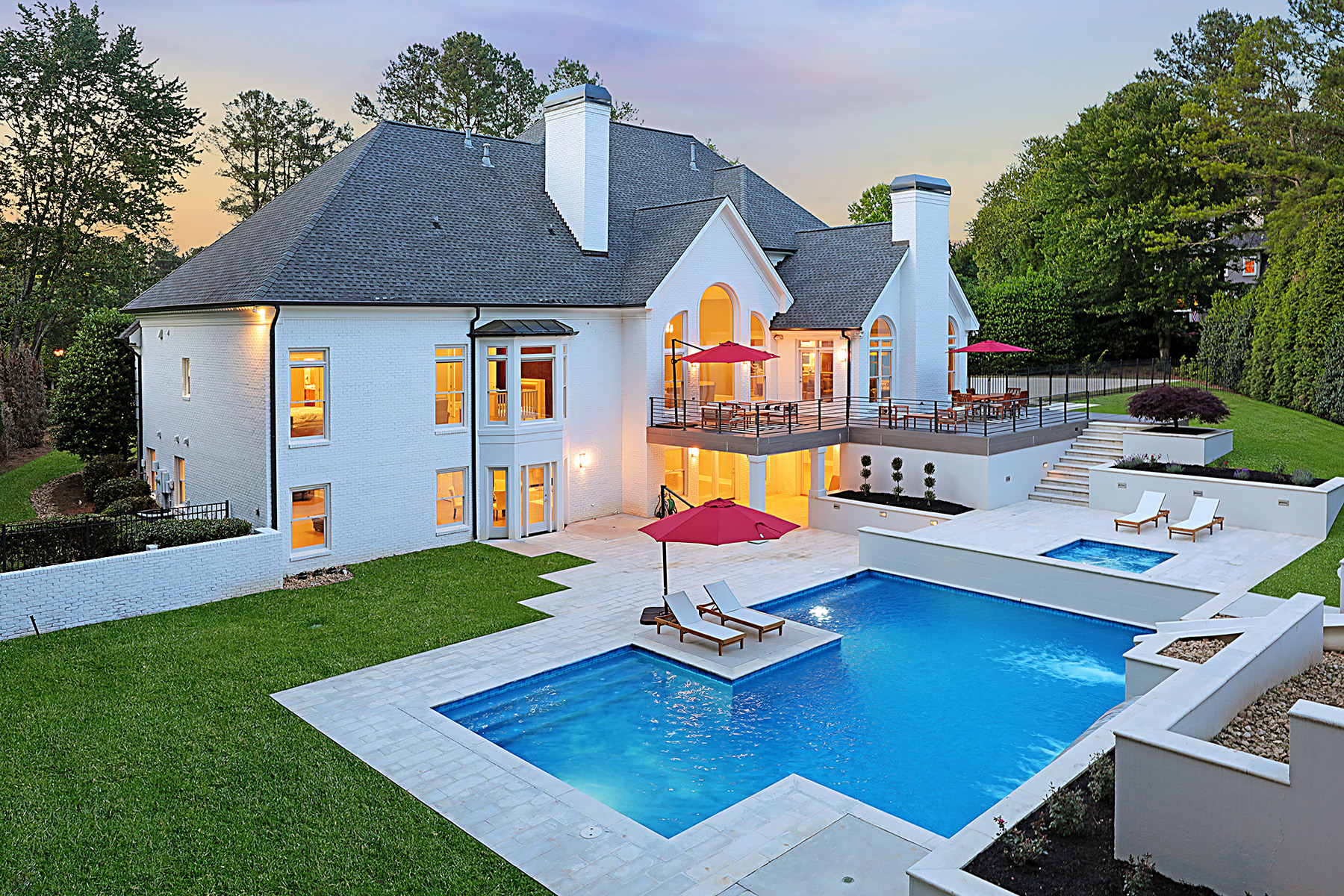 Single Family Homes per Vendita alle ore Extraordinary Fully Renovated Masterpiece in Country Club of the South 1007 Featherstone Road, Johns Creek, Georgia 30022 Stati Uniti