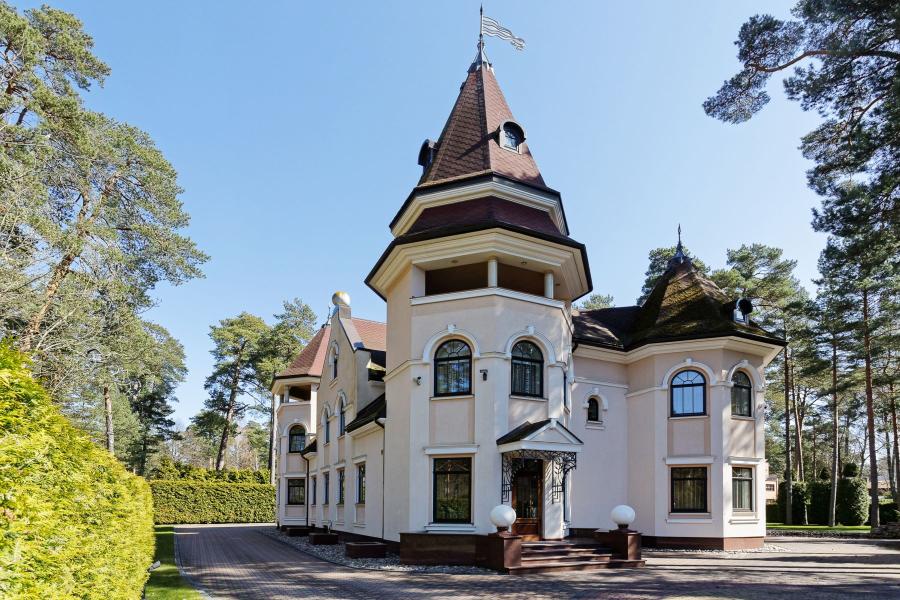 Single Family Homes for Sale at Magnificent villa next to the sea in Jurmala Jurmala, Rigas County Latvia