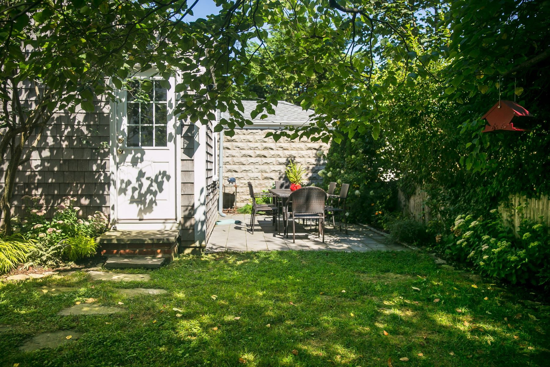 Additional photo for property listing at Harborside Haven 68 1/2 Roseneath Avenue Newport, Rhode Island 02840 United States