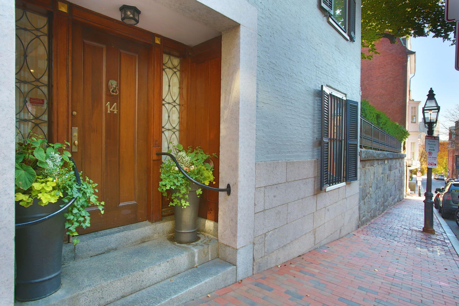 Single Family Homes por un Venta en 14 Walnut Street Boston, Massachusetts 02108 Estados Unidos