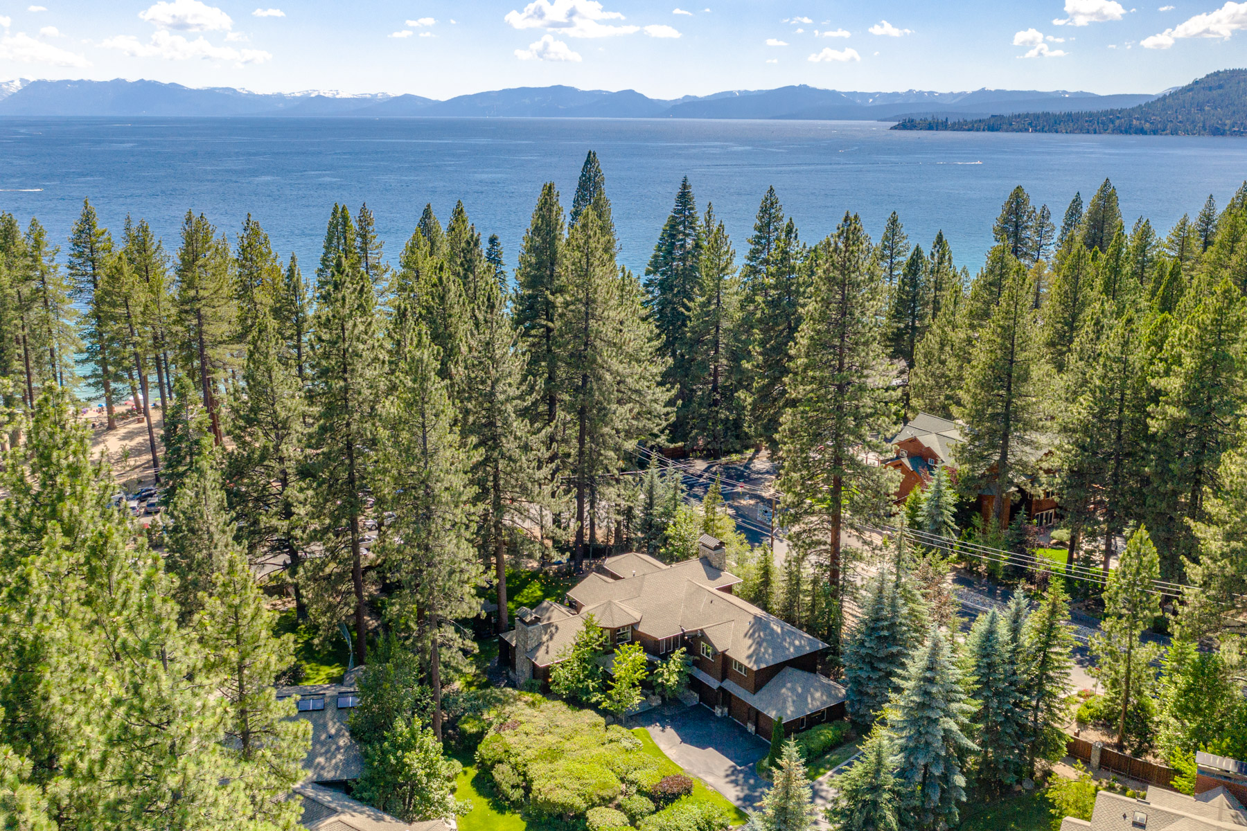 Additional photo for property listing at 948 Lakeshore View Ct, Incline Village, NV 948 Lakeshore View Court Incline Village, Nevada 89451 United States
