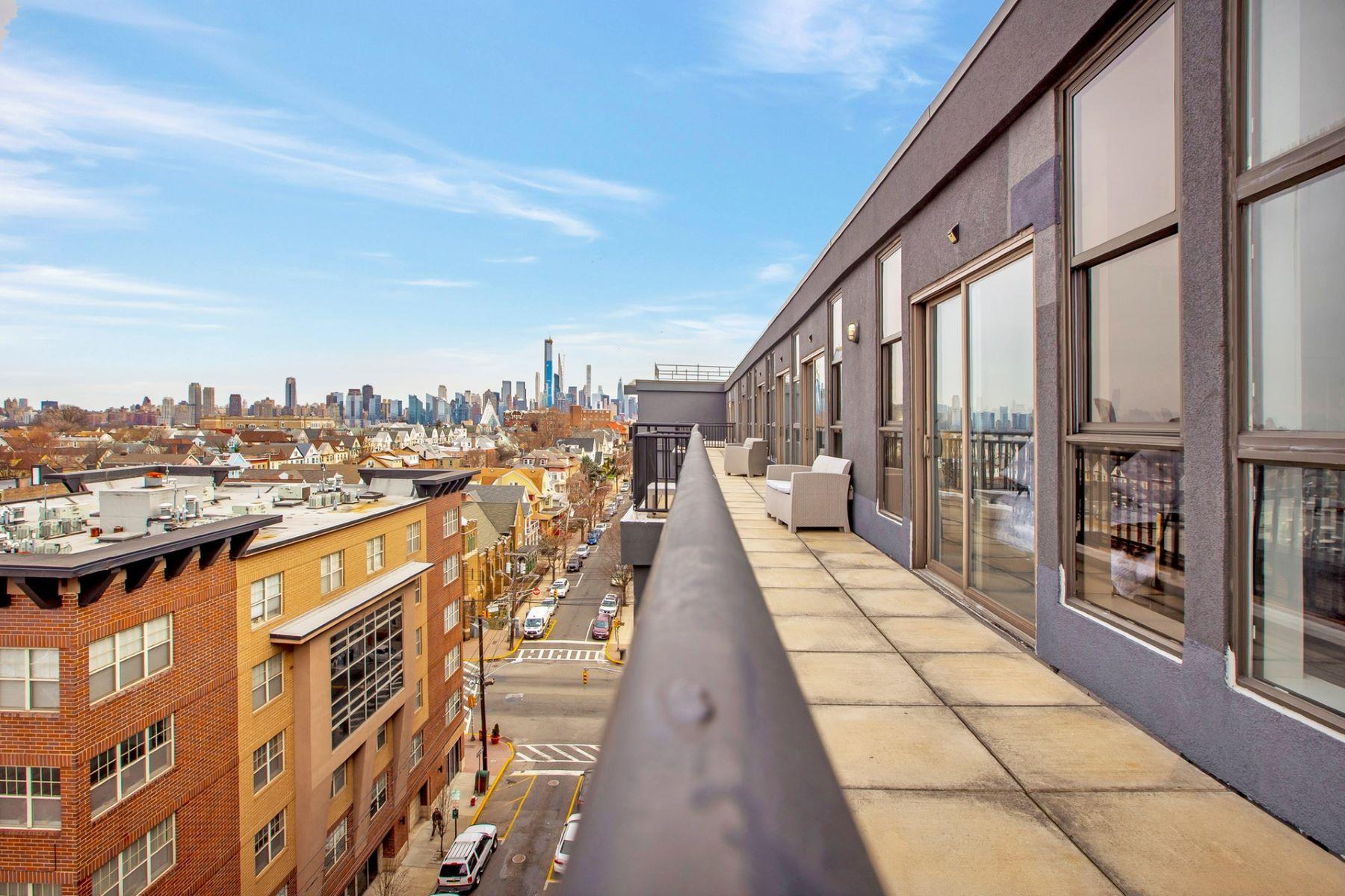 Condominiums для того Продажа на Union City, Нью-Джерси 07087 Соединенные Штаты