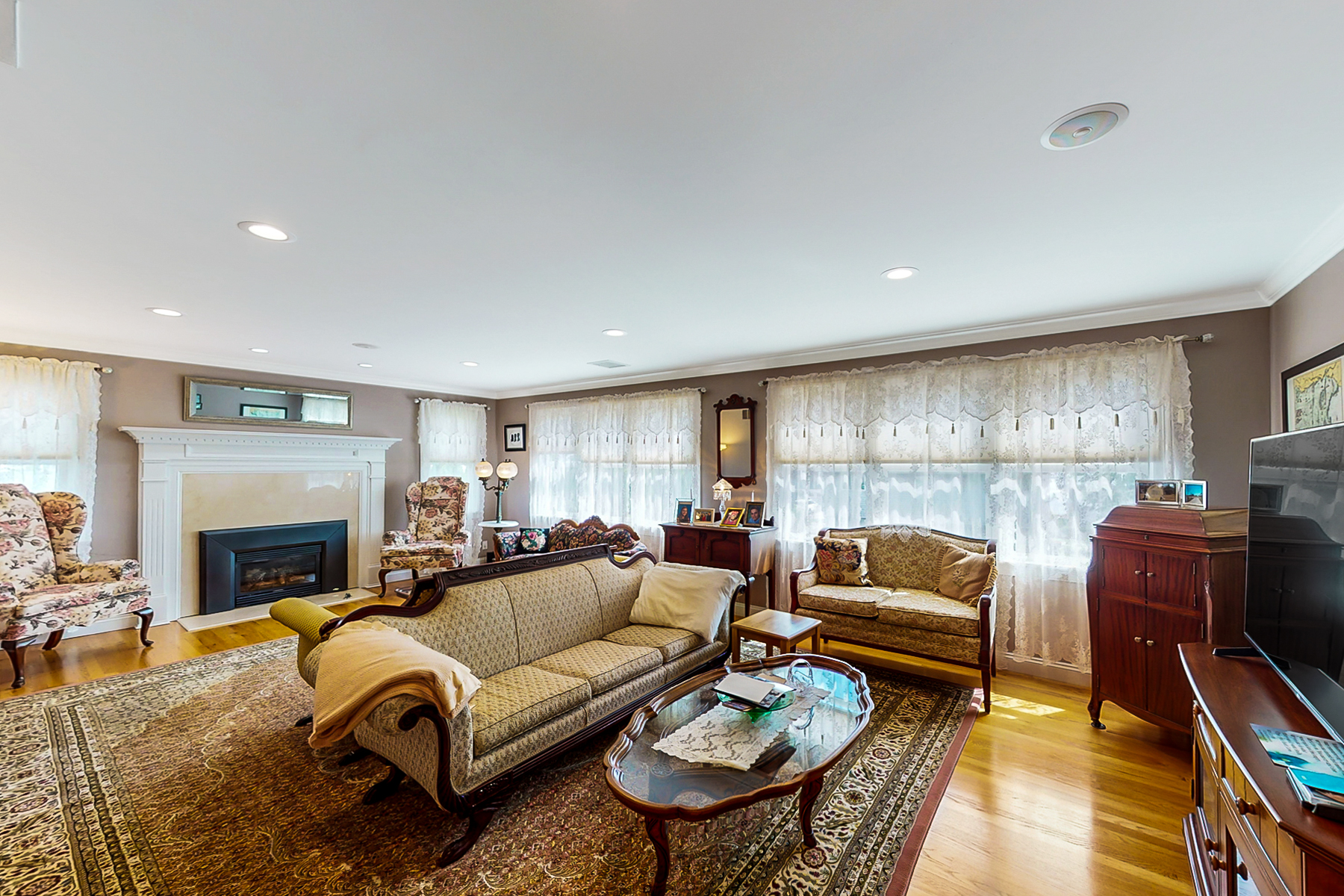 Additional photo for property listing at Bonnet Shores 10 Camden Road Narragansett, Rhode Island 02882 United States
