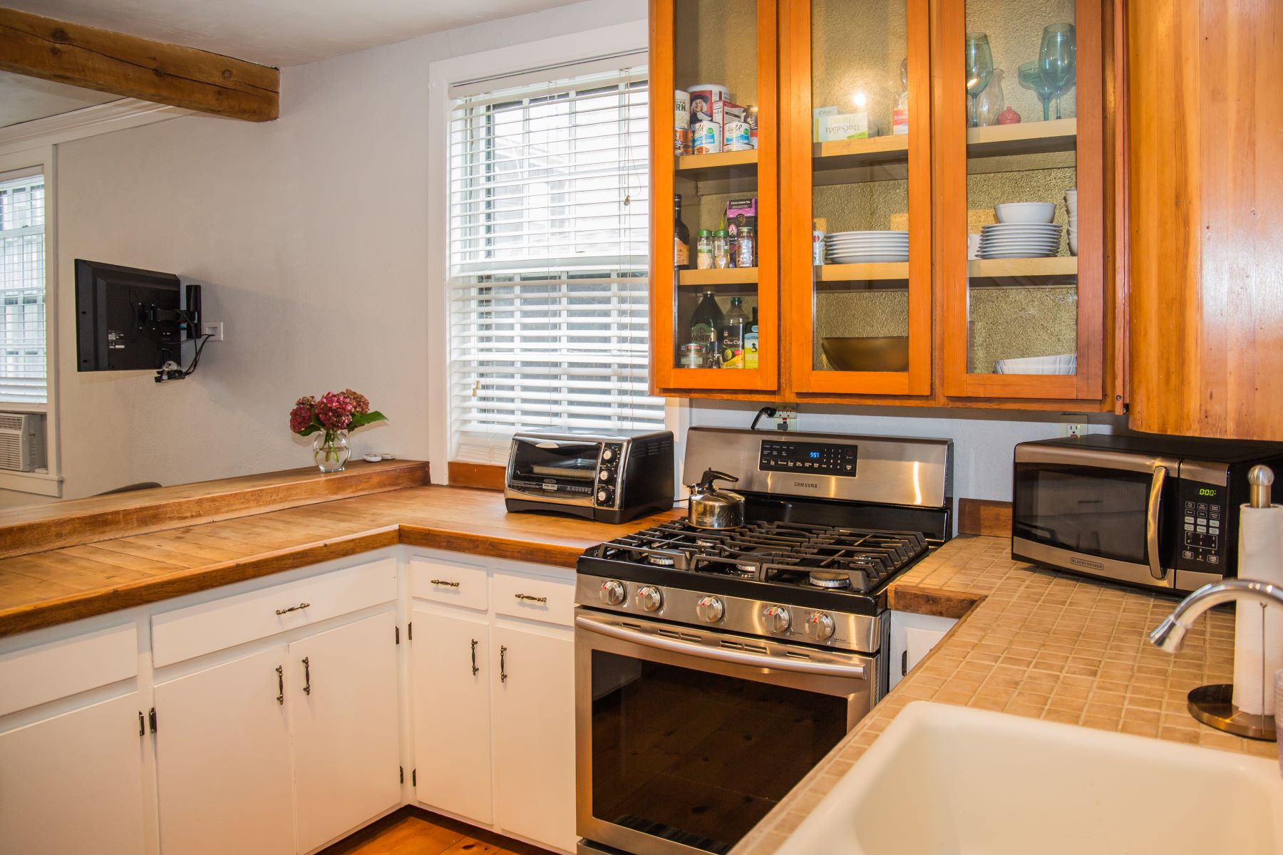 Additional photo for property listing at Corkscrew Cottage 5 Stewart Street Newport, Rhode Island 02840 United States