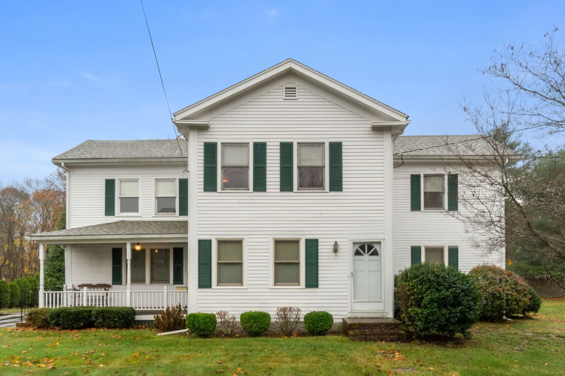 Single Family Homes por un Venta en 136 West St Mansfield, Massachusetts 02048 Estados Unidos