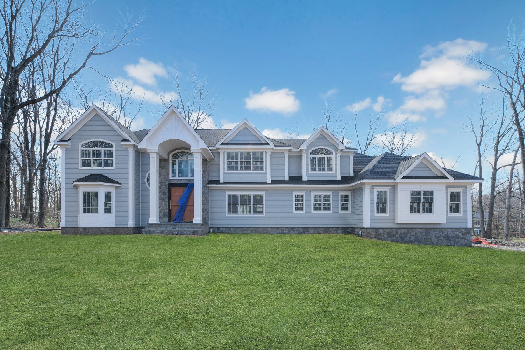 Single Family Homes for Sale at FABULOUS NEW CONSTRUCTION 24 Robin Ridge Rd, Upper Saddle River, New Jersey 07458 United States