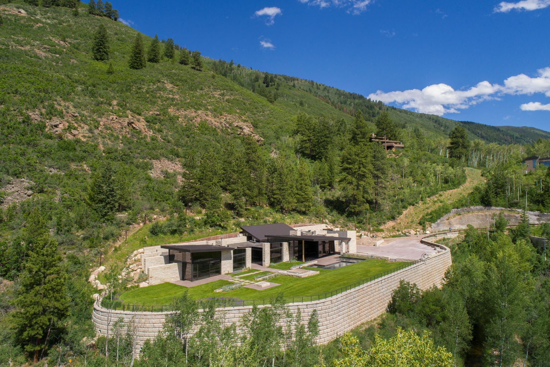 Single Family Homes para Venda às East Aspen Masterpiece 195 Skimming Lane, Aspen, Colorado 81611 Estados Unidos