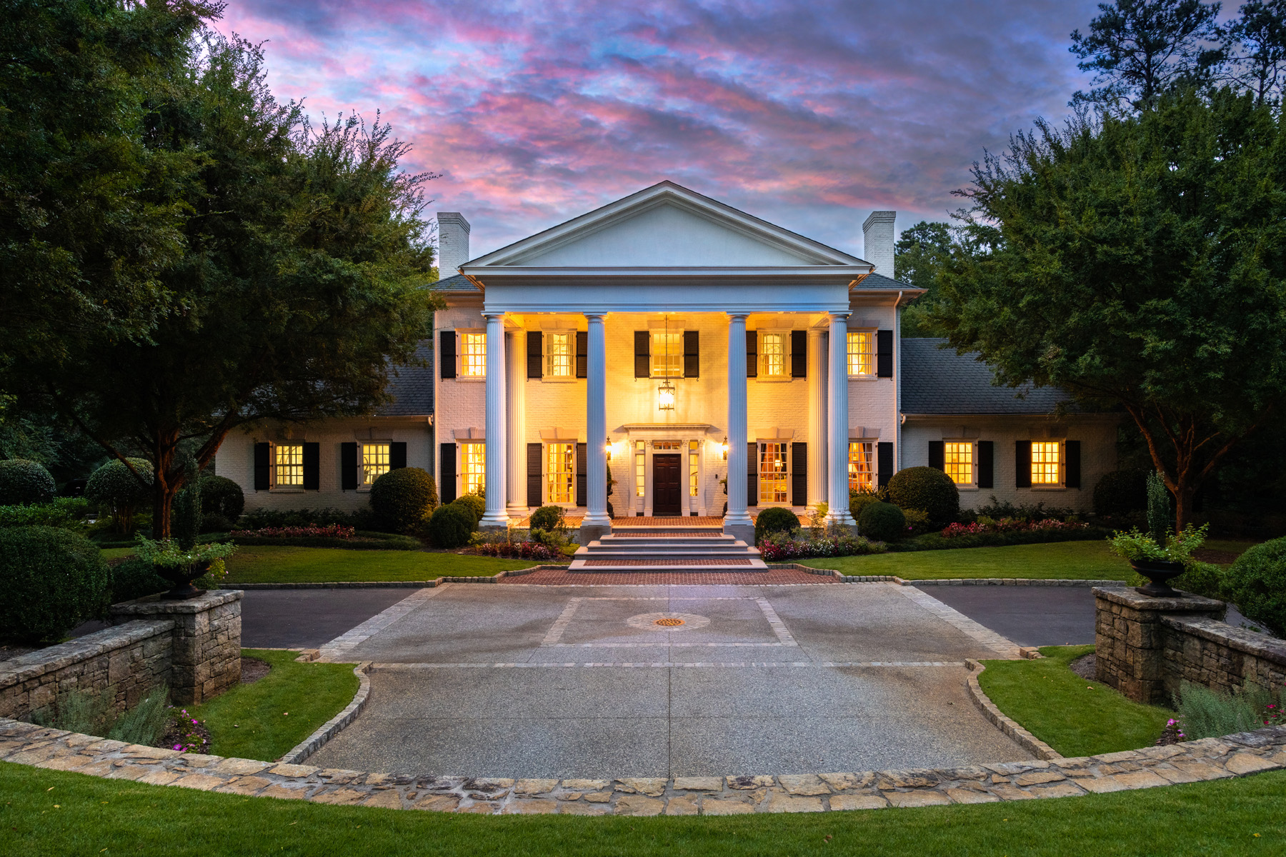 Single Family Homes للـ Sale في Magnificent +/- 5 Acre Gated Estate Property 3785 Paces Ferry Road NW, Atlanta, Georgia 30327 United States