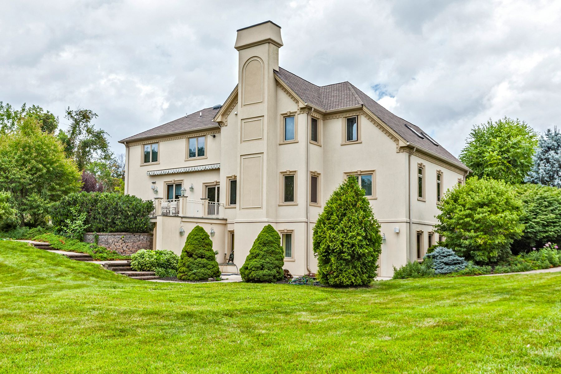 Additional photo for property listing at Put This On Your Must-See List 158 Harbourton Woodsville Road, Lambertville, New Jersey 08530 United States