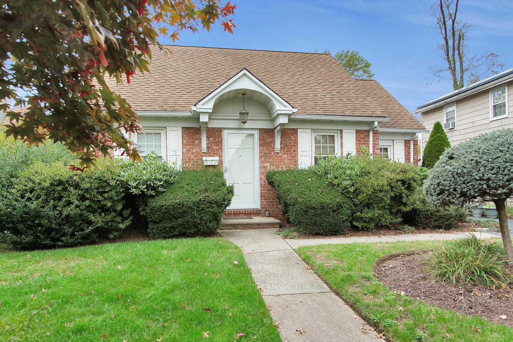 Other Residential Homes för Försäljning vid Dumont, New Jersey 07628 Förenta staterna