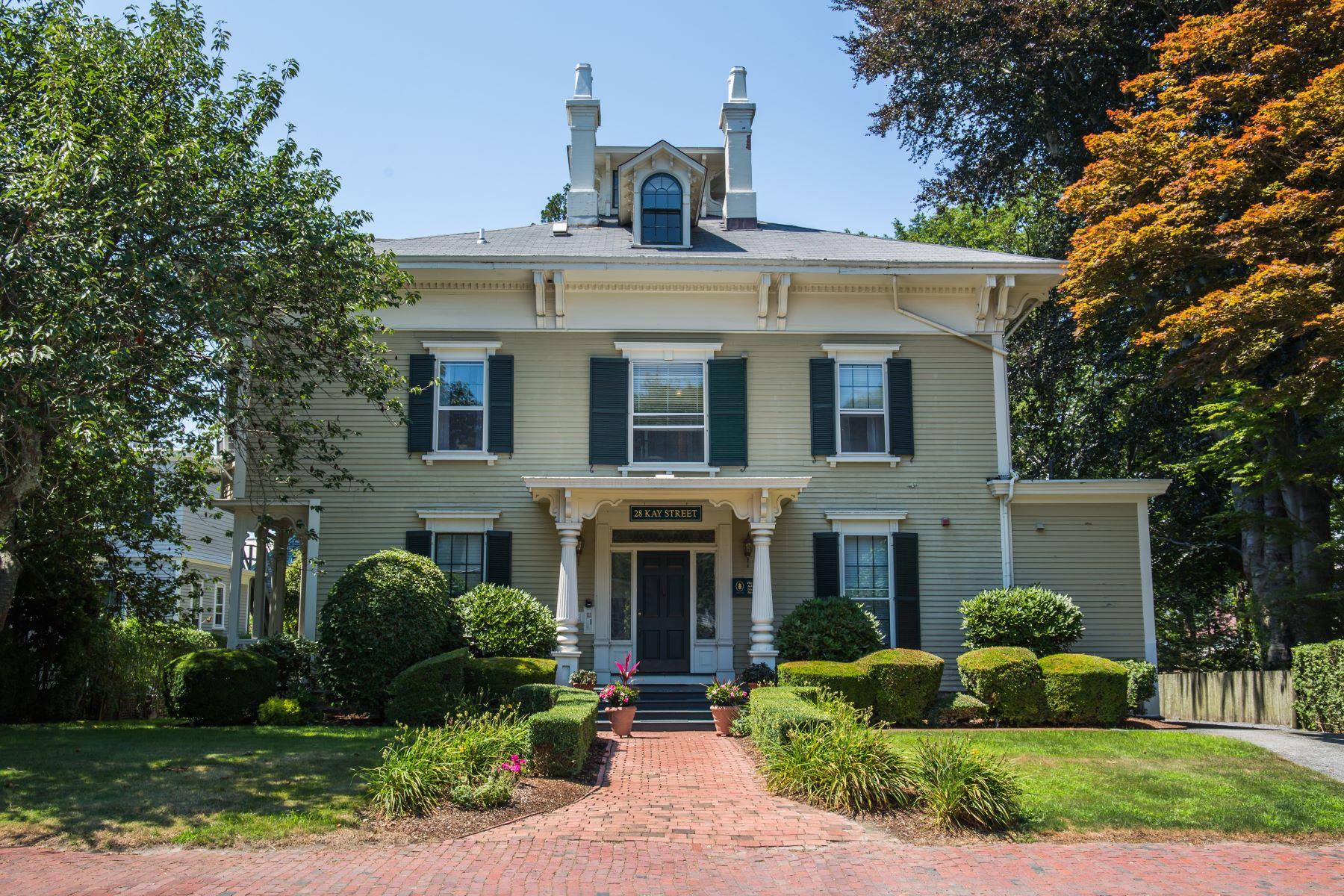 Condominiums 为 销售 在 The John Irish House 28 Kay Street, Unit #5 纽波特, 罗得岛 02840 美国