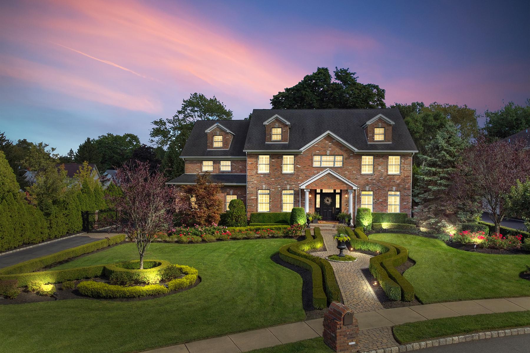 Single Family Homes للـ Sale في Custom-Built Colonial 3 Francesca Court, East Hanover, New Jersey 07936 United States