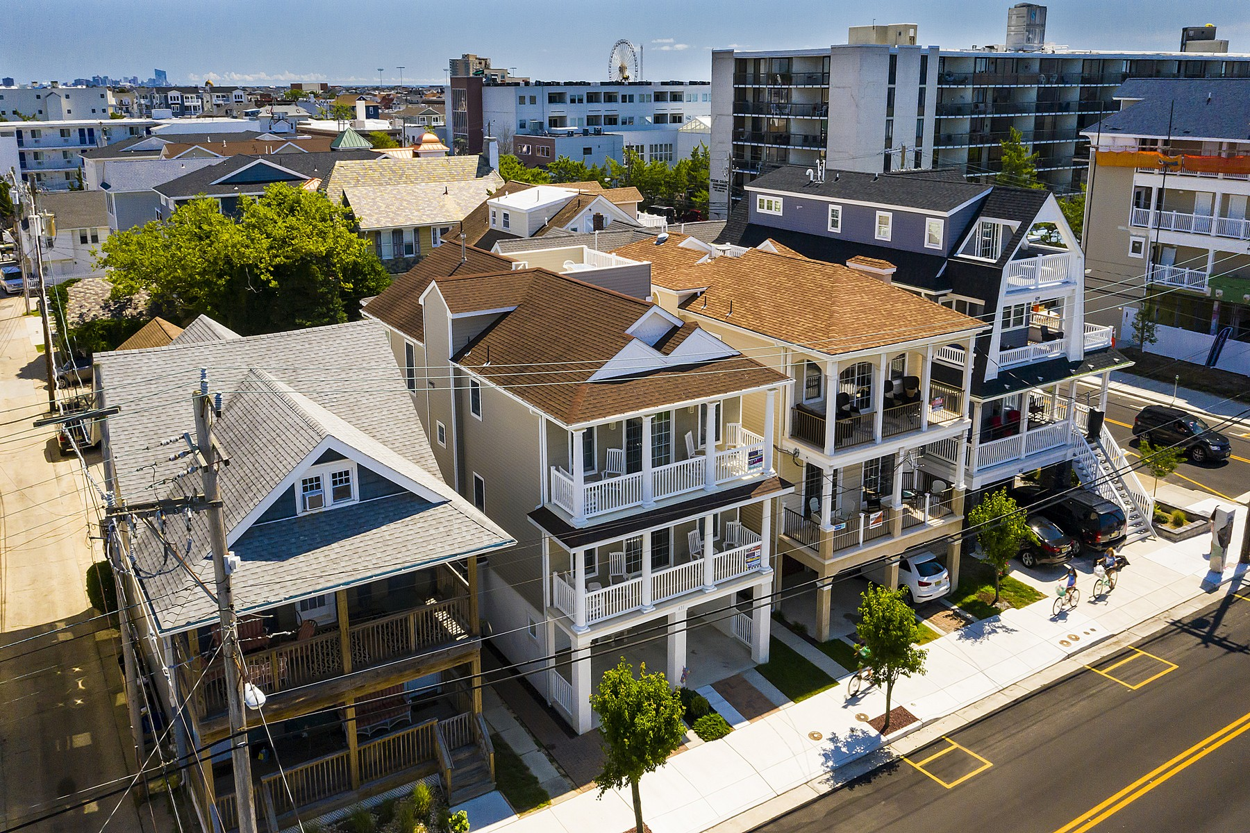 Duplex Homes for Sale at Centrally Located Duplex 631 E 10th Street, Ocean City, New Jersey 08226 United States