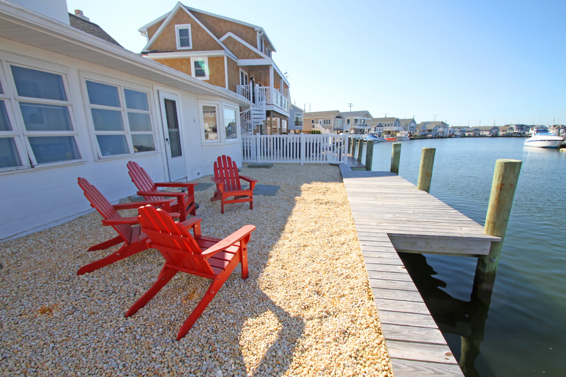 Single Family Homes للـ Sale في Charming Beach Cottage On Wide Lagoon 205 Bay Shore Drive, Lavallette, New Jersey 08735 United States