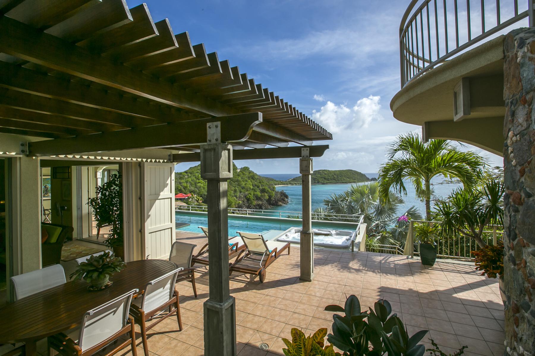 Single Family Homes für Verkauf beim Latitude Villa 15A-7-13 Rendezvous & Ditleff St John, Virgin Islands 00830 Amerikanische Jungferninseln