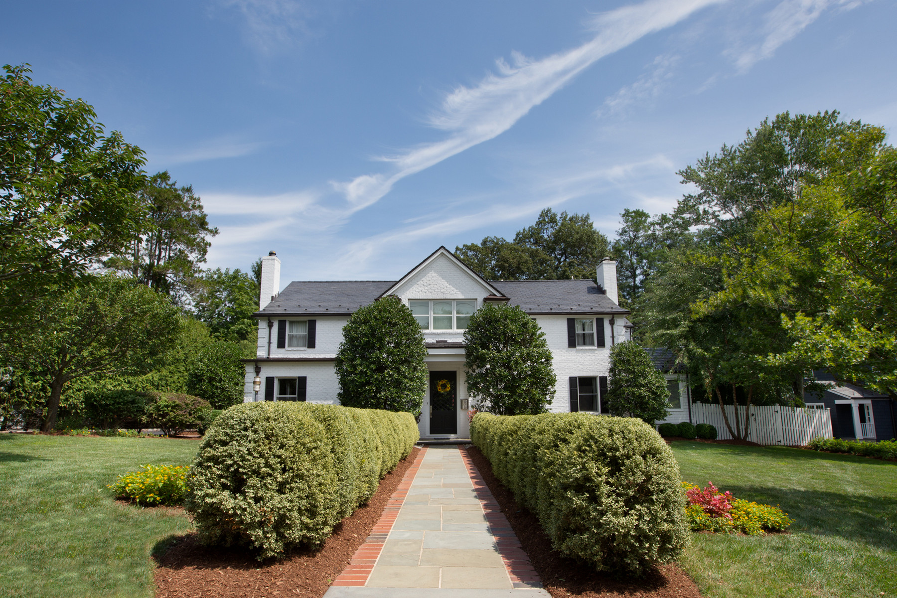 Single Family Homes 为 销售 在 Ultrachic Colonial 82 Stewart Road, 肖特山, 新泽西州 07078 美国