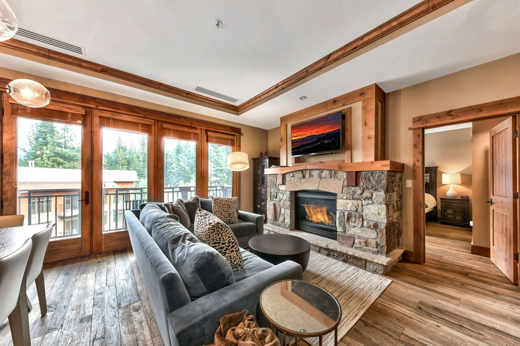 Additional photo for property listing at Ski In Ski Out Luxury Northstar 8001 Northstar Drive #303 Truckee, California 96150 United States