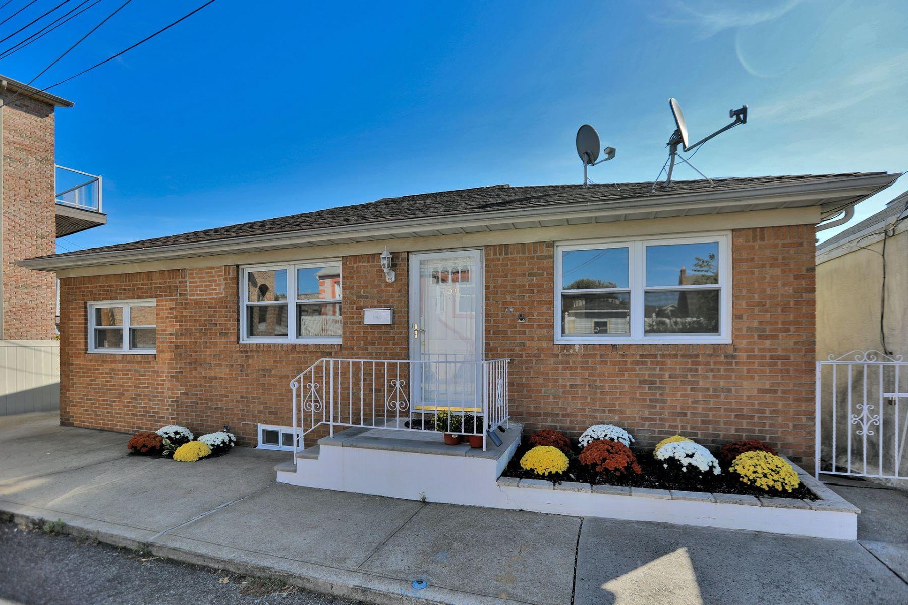 Multi-Family Homes للـ Sale في 156 Pine Street Cliffside Park NJ 07010 Cliffside Park, New Jersey 07010 United States