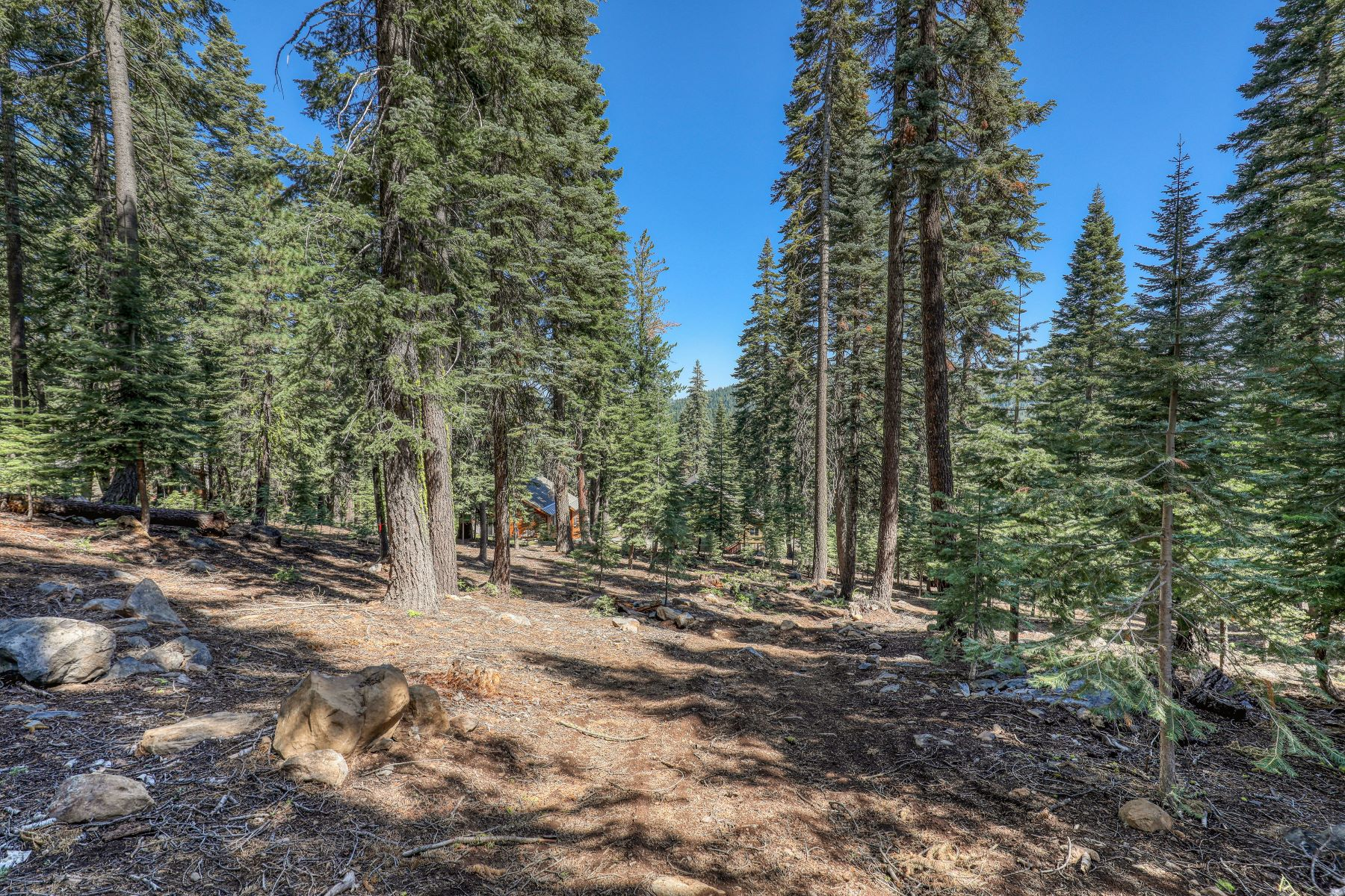 Land for Active at Tahoe Donner Homesite 12360 Muhlebach Way Truckee, California 96161 United States