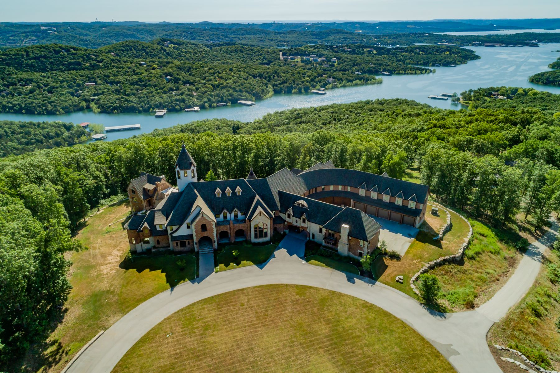 Single Family Homes for Sale at Table Rock Lake Estate 2866 State Highway DD, Branson West, Missouri 65737 United States