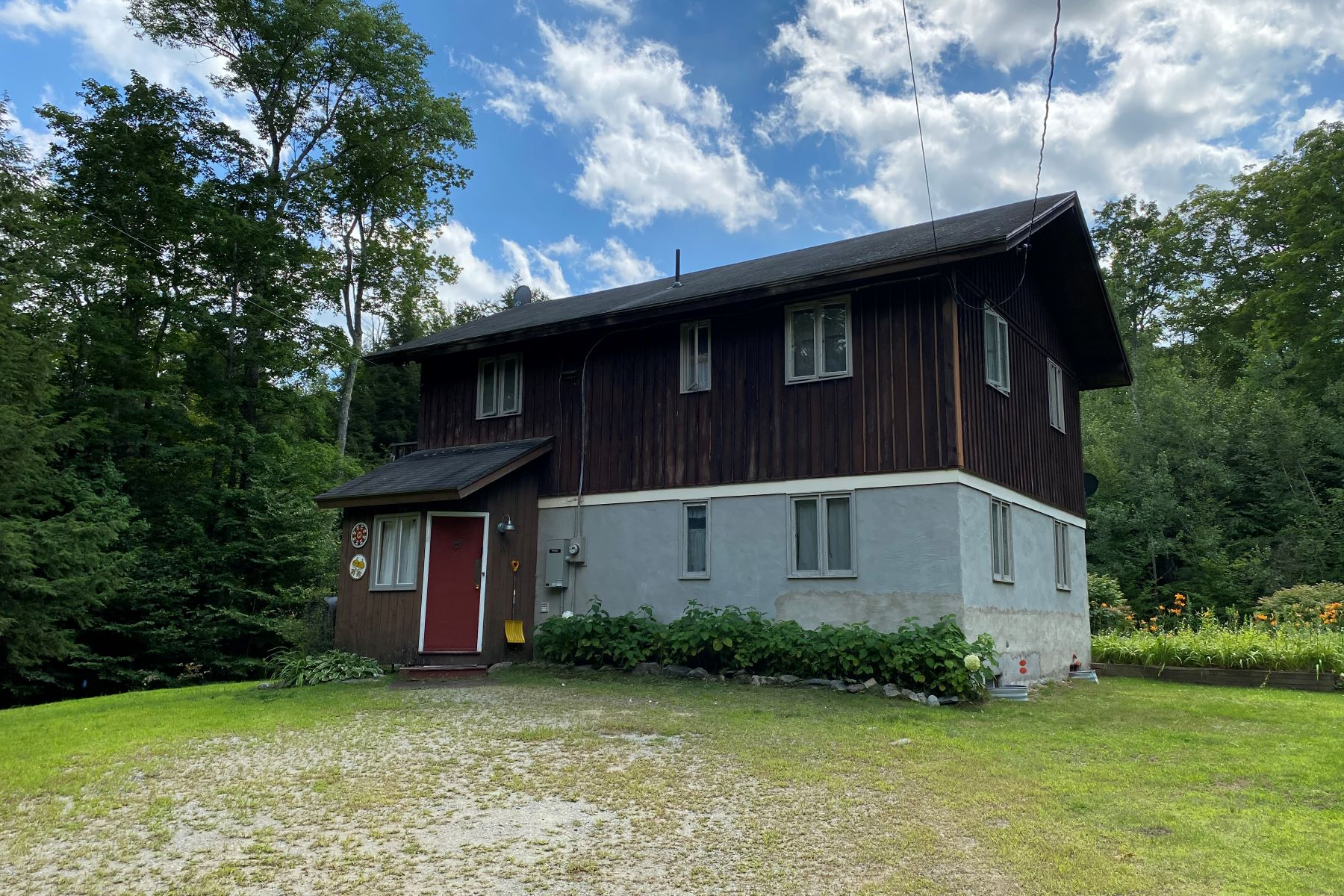 Single Family Homes for Sale at 120 Green Mountain Trail Londonderry, Vermont 05148 United States