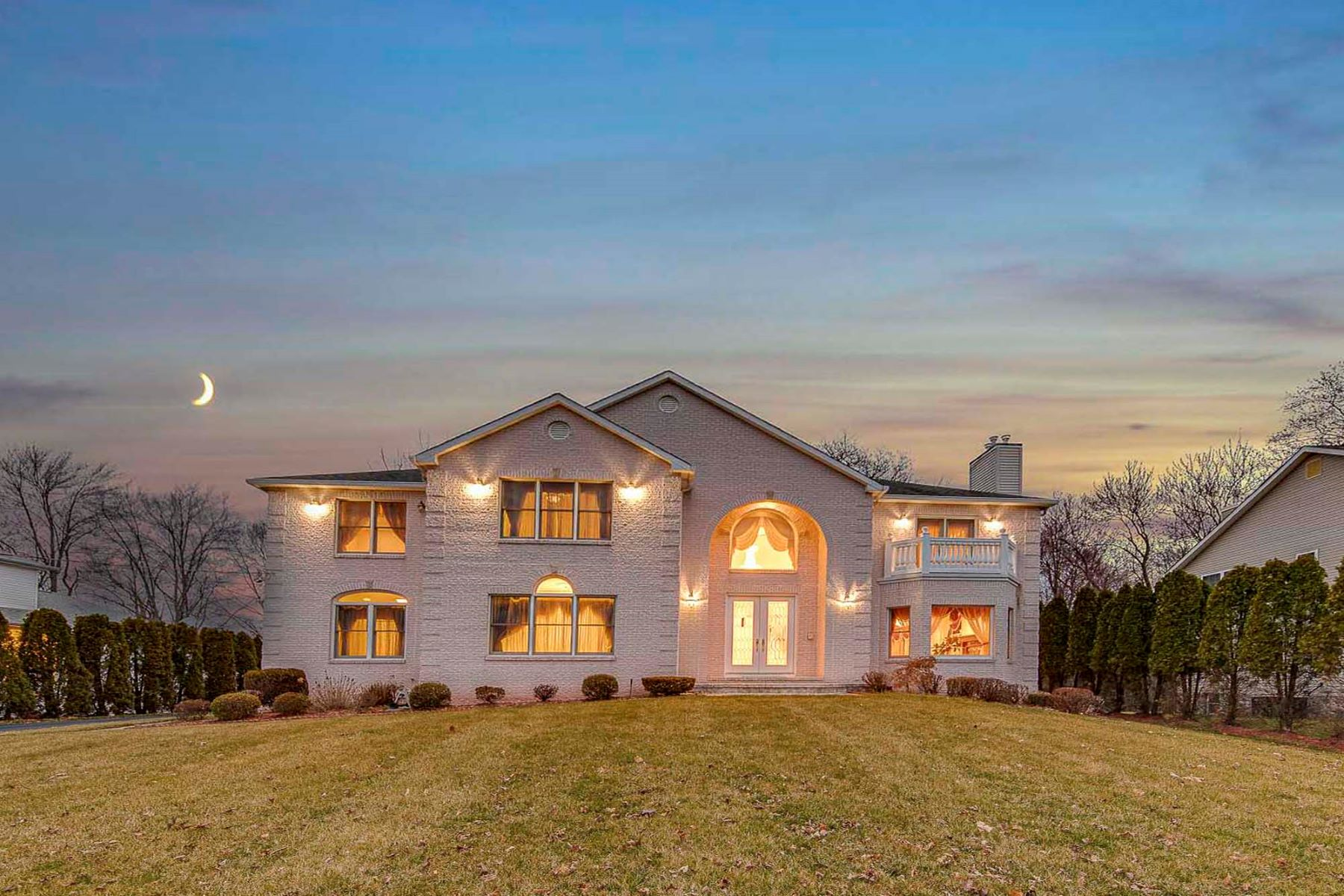 Single Family Homes for Sale at Luxury Home 720 Pascack Rd, Paramus, New Jersey 07652 United States