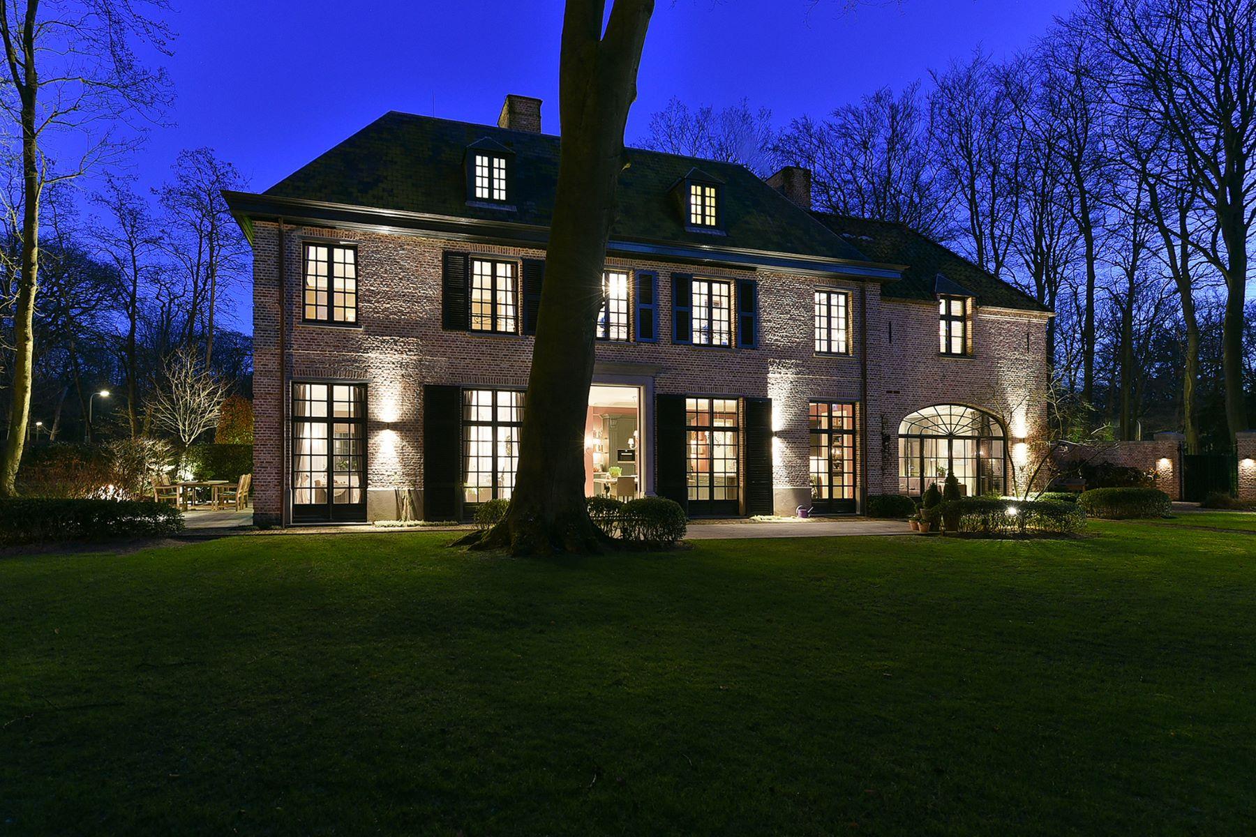 Single Family Homes для того Продажа на Modern Colonial Villa Jagerslaan 13, Jagerslaan ZUID Wassenaar, South Holland 2243 EH Нидерланды