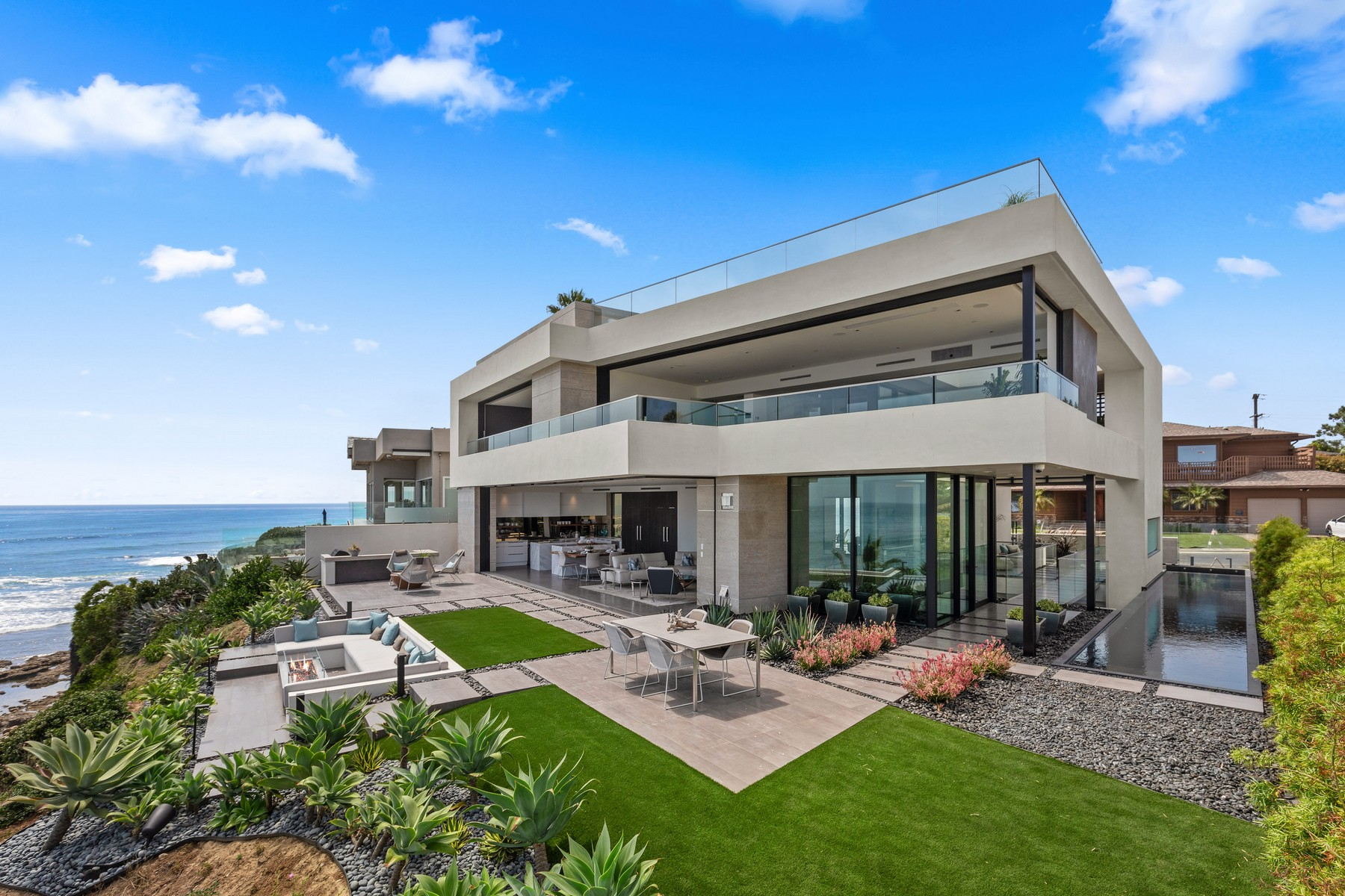 Single Family Homes for Sale at 311 Sea Ridge Dr La Jolla, California 92037 United States