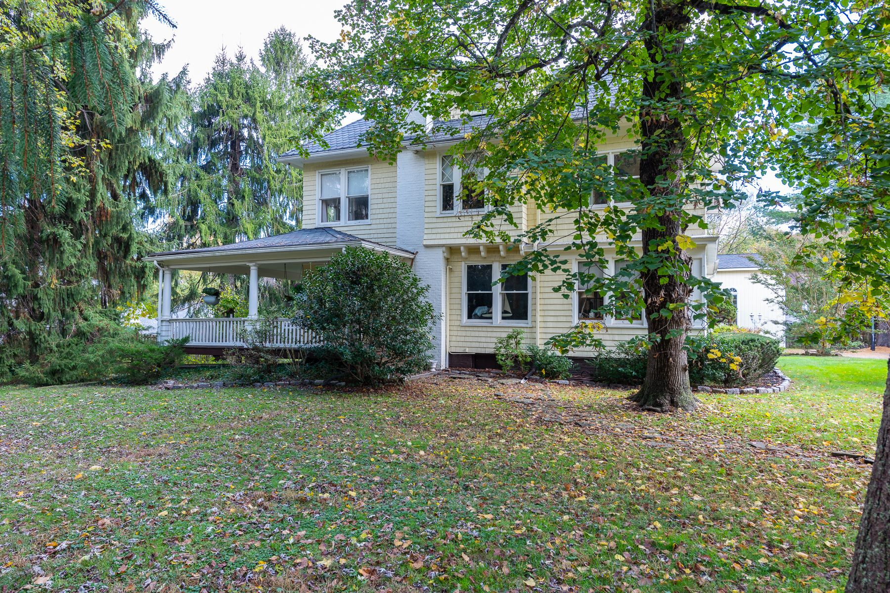Single Family Homes por un Venta en Middletown, NJ 2180 Middletown Lincroft Road, Middletown, Nueva Jersey 07748 Estados Unidos