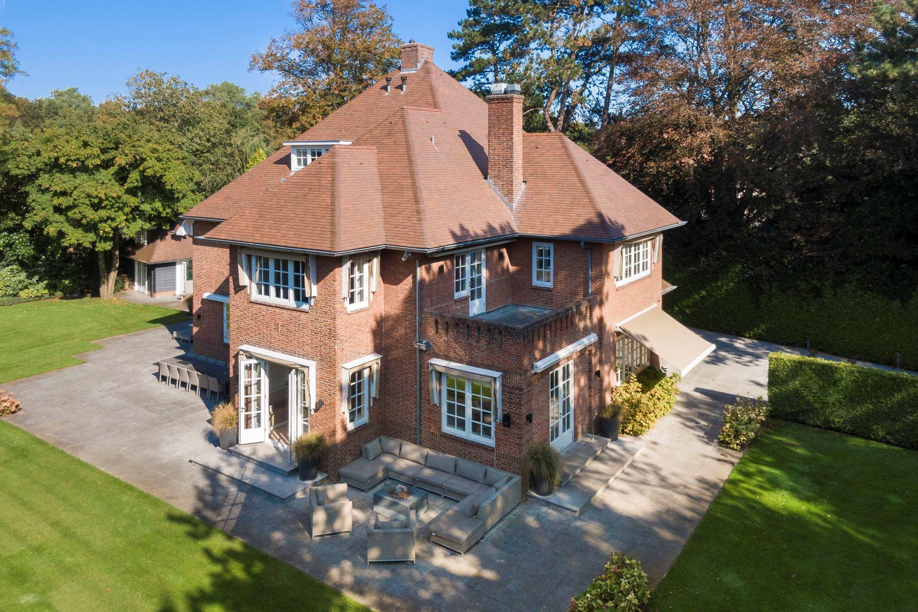 Single Family Homes для того Продажа на Luxury villa with poolhouse Wassenaar, South Holland Нидерланды