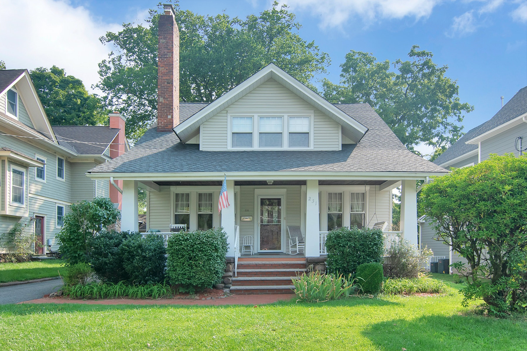 Single Family Homes for Sale at Location!Location!Location! 231 Hamilton Ave., Glen Rock, New Jersey 07452 United States