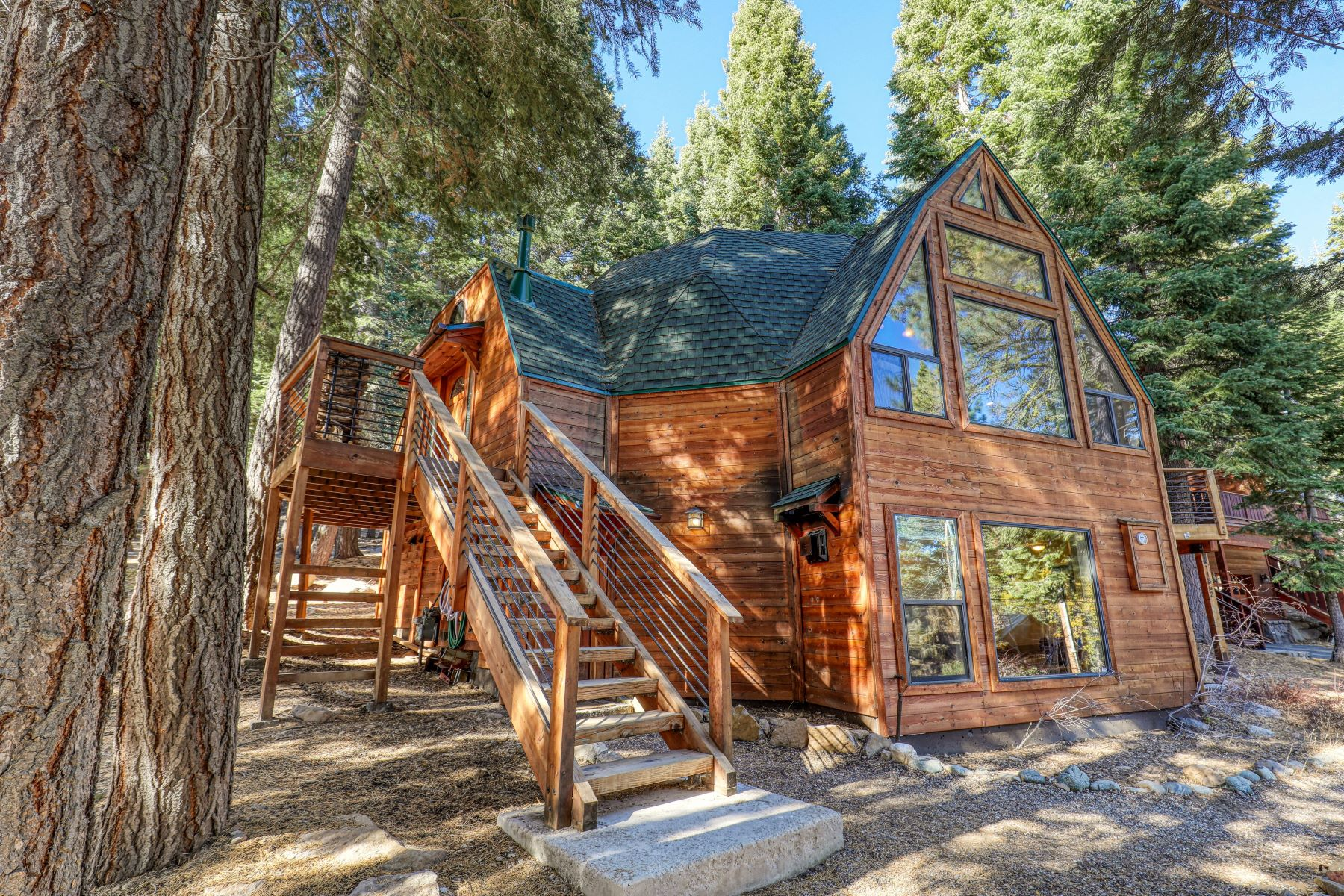 Single Family Homes for Active at 11842 Chamonix Road Truckee, California 96161 United States