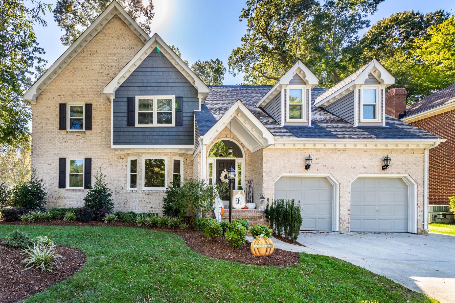 Single Family Homes pour l Vente à Riverwalk 701 Spice Quay, Chesapeake, Virginia 23320 États-Unis