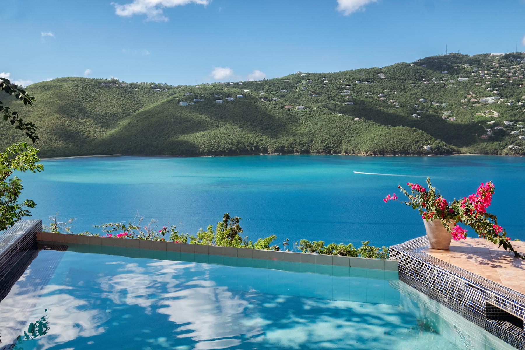 Single Family Homes für Verkauf beim Red Rock Villa 10-1-12 Peterborg St Thomas, Virgin Islands 00802 Amerikanische Jungferninseln
