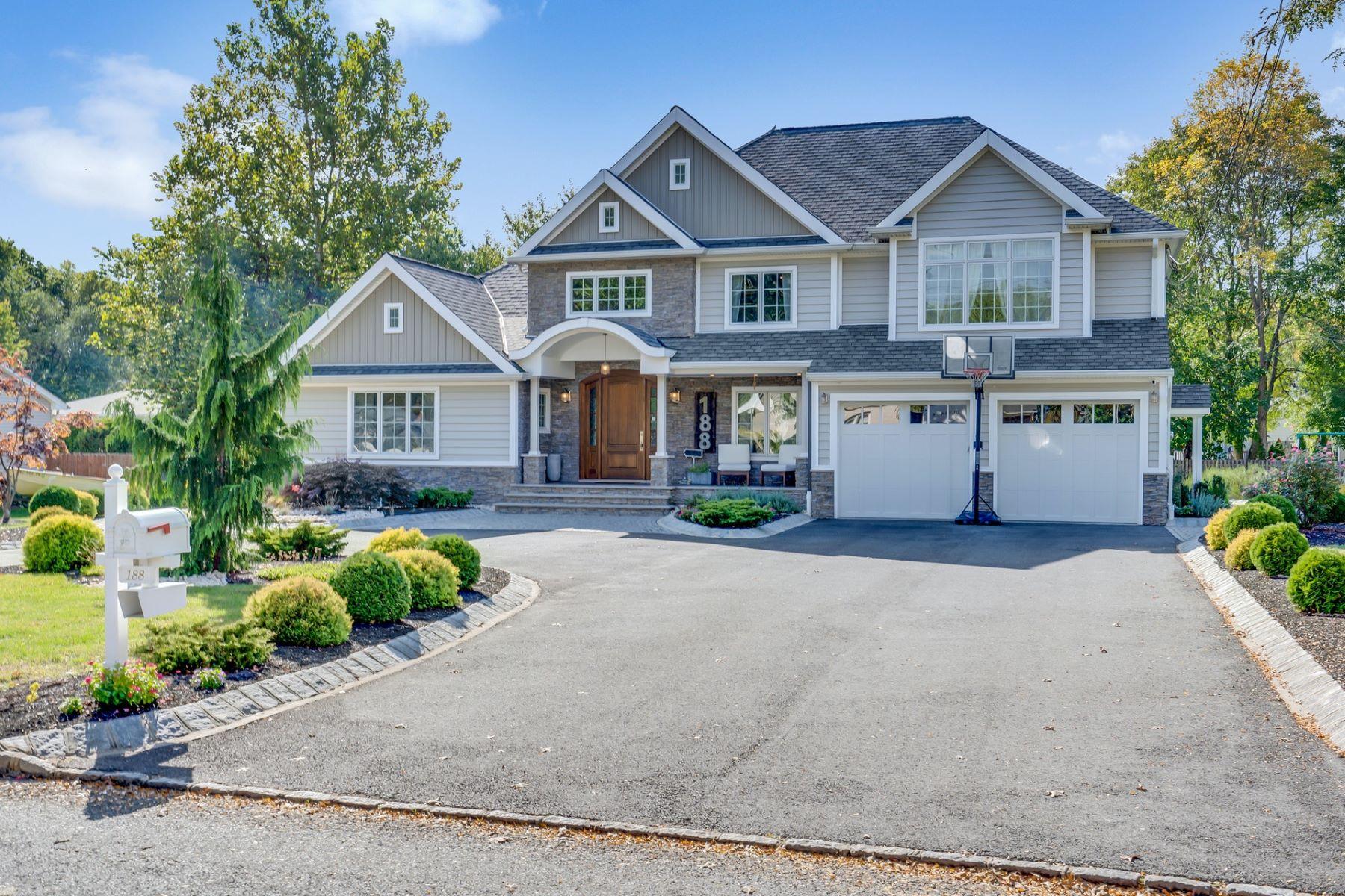 Single Family Homes للـ Sale في LUXURY, LIFESTYLE, SOPHISTICATION! 188 BRIARHEATH LANE, Union Township, New Jersey 07066 United States