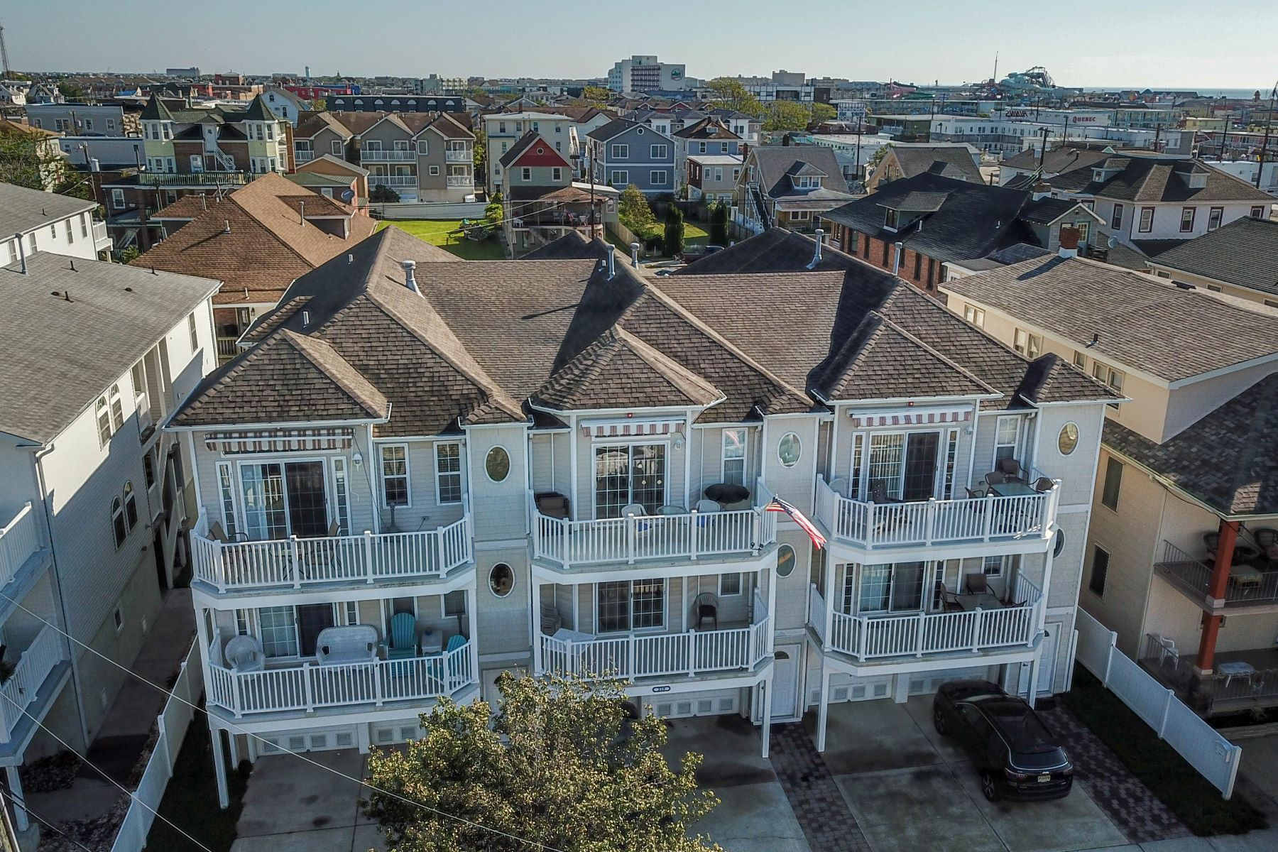 Condominiums 為 出售 在 Centrally Located Top Floor Unit 219 E Roberts Ave, Unit E, Wildwood, 新澤西州 08260 美國