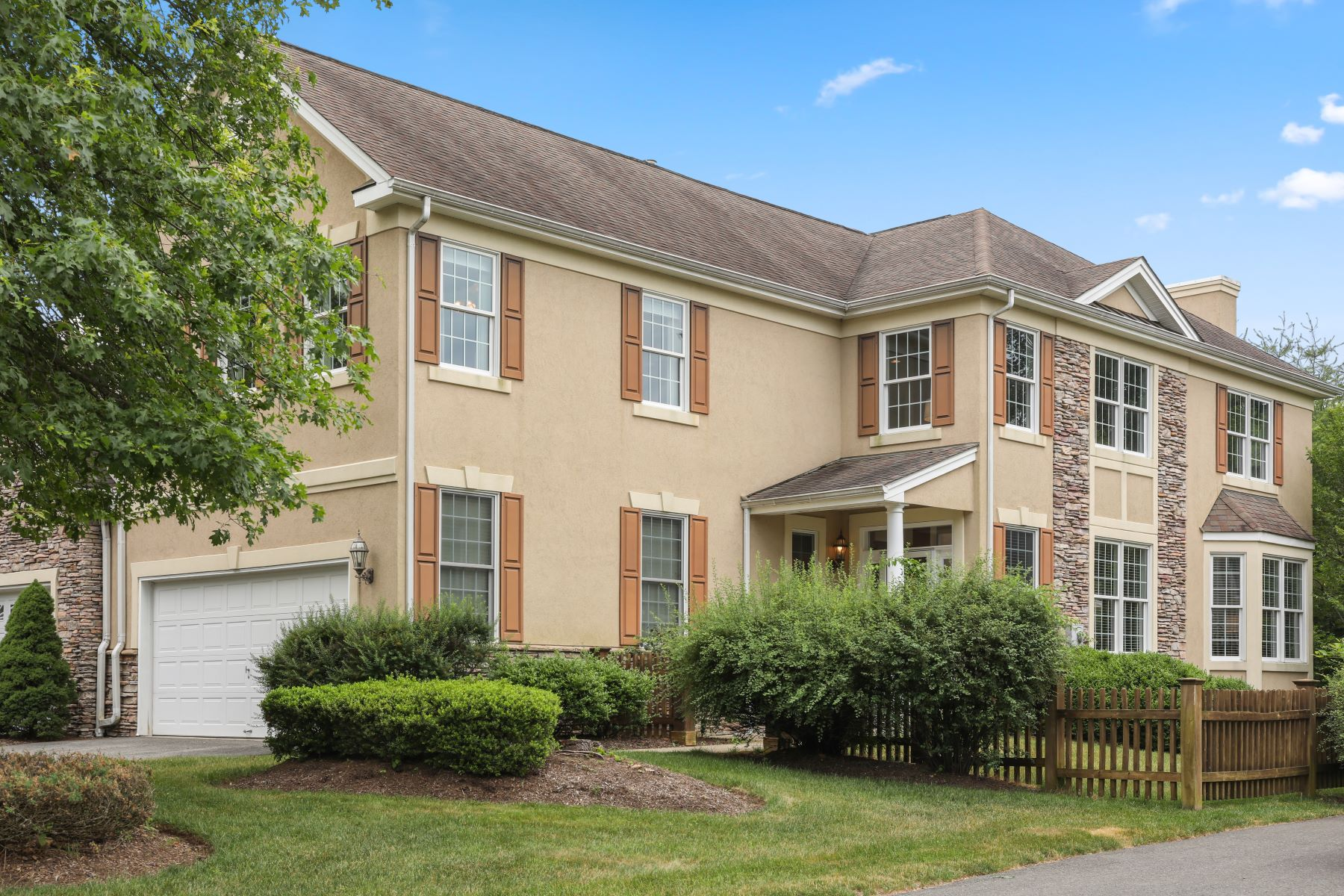 townhouses for Sale at Maintained Townhome 25 Wyckoff Way, Chester Township, New Jersey 07930 United States
