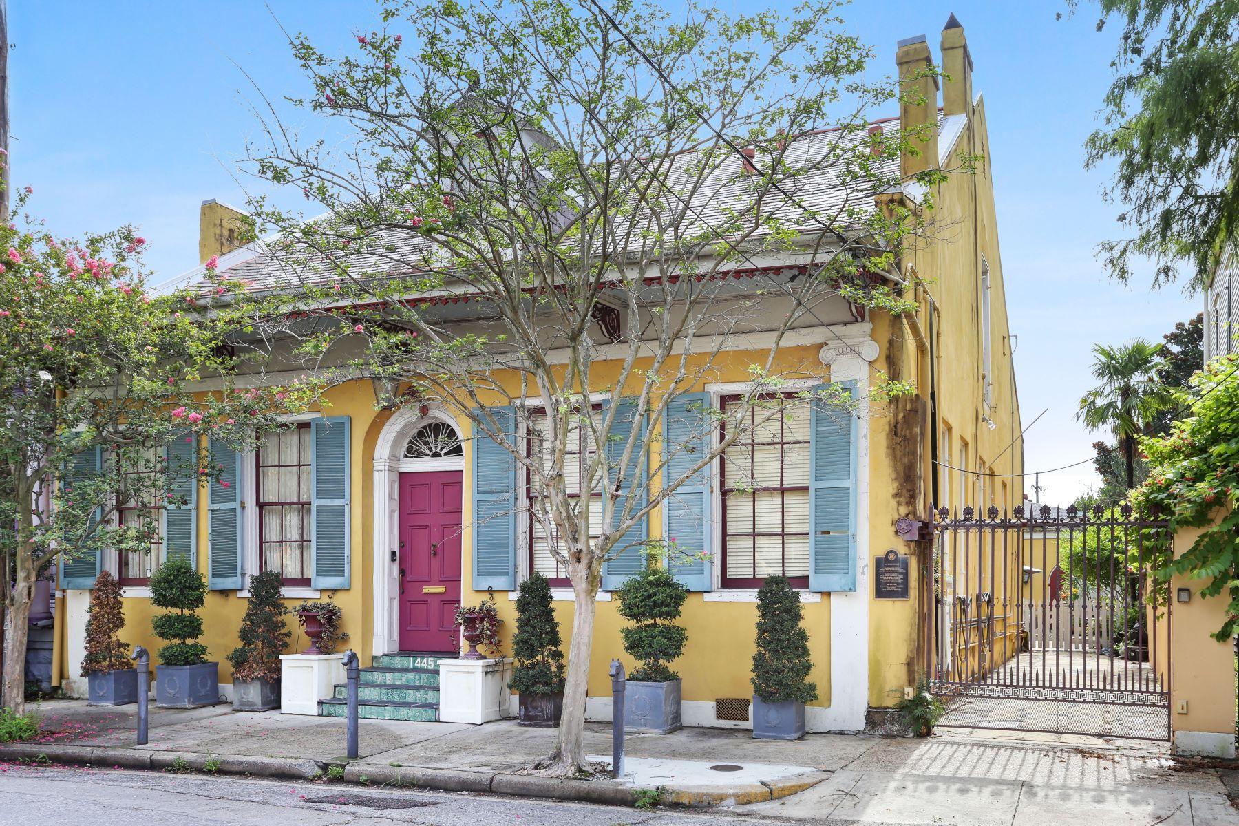 Single Family Homes pour l Vente à BOUTIN HOUSE 1445 Pauger Street, La Nouvelle-Orléans, Louisiane 70116 États-Unis