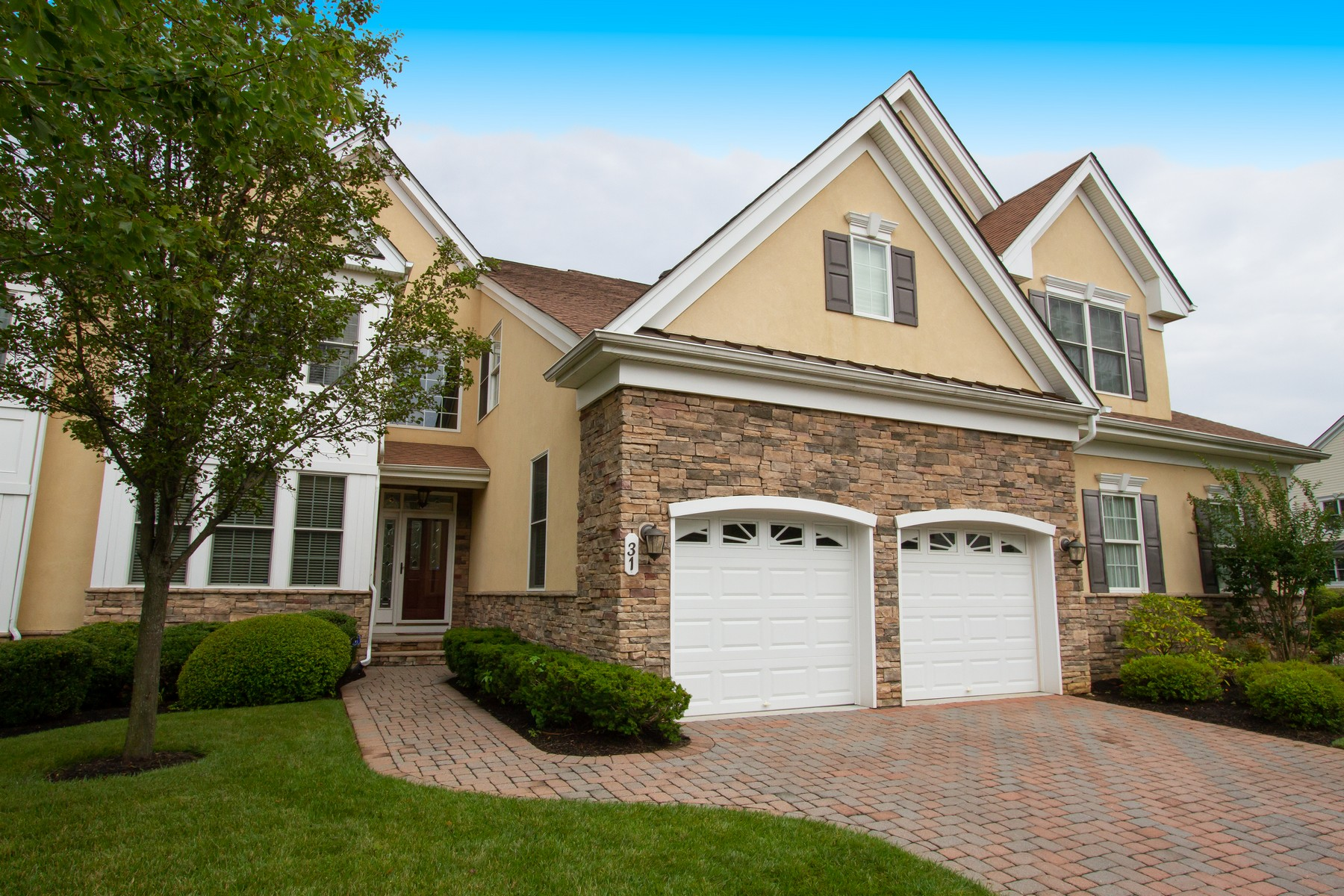 townhouses for Sale at Greenbriar Falls 31 Majestic Dr, Tinton Falls, New Jersey 07724 United States