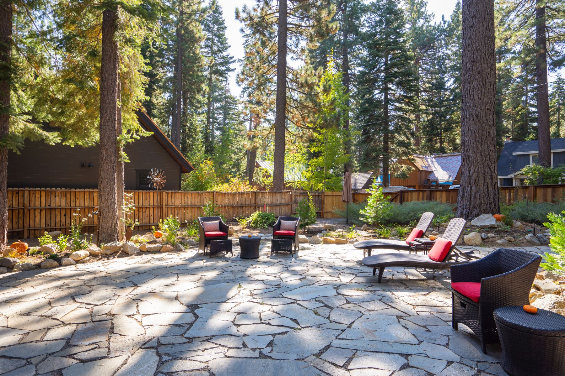 Additional photo for property listing at Park Life In Tahoe Park 380 Fountain Tahoe City, California 96145 United States