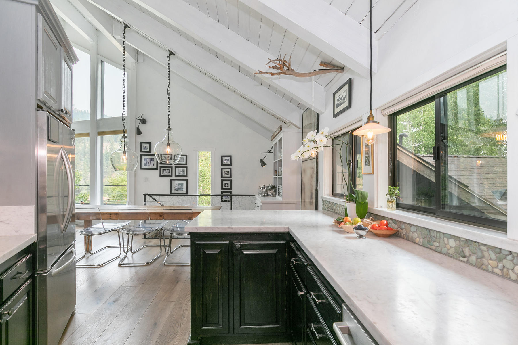 Additional photo for property listing at Alpine Meadows Scandinavian Modern 1329 Pine Trail Alpine Meadows, California 96146 United States