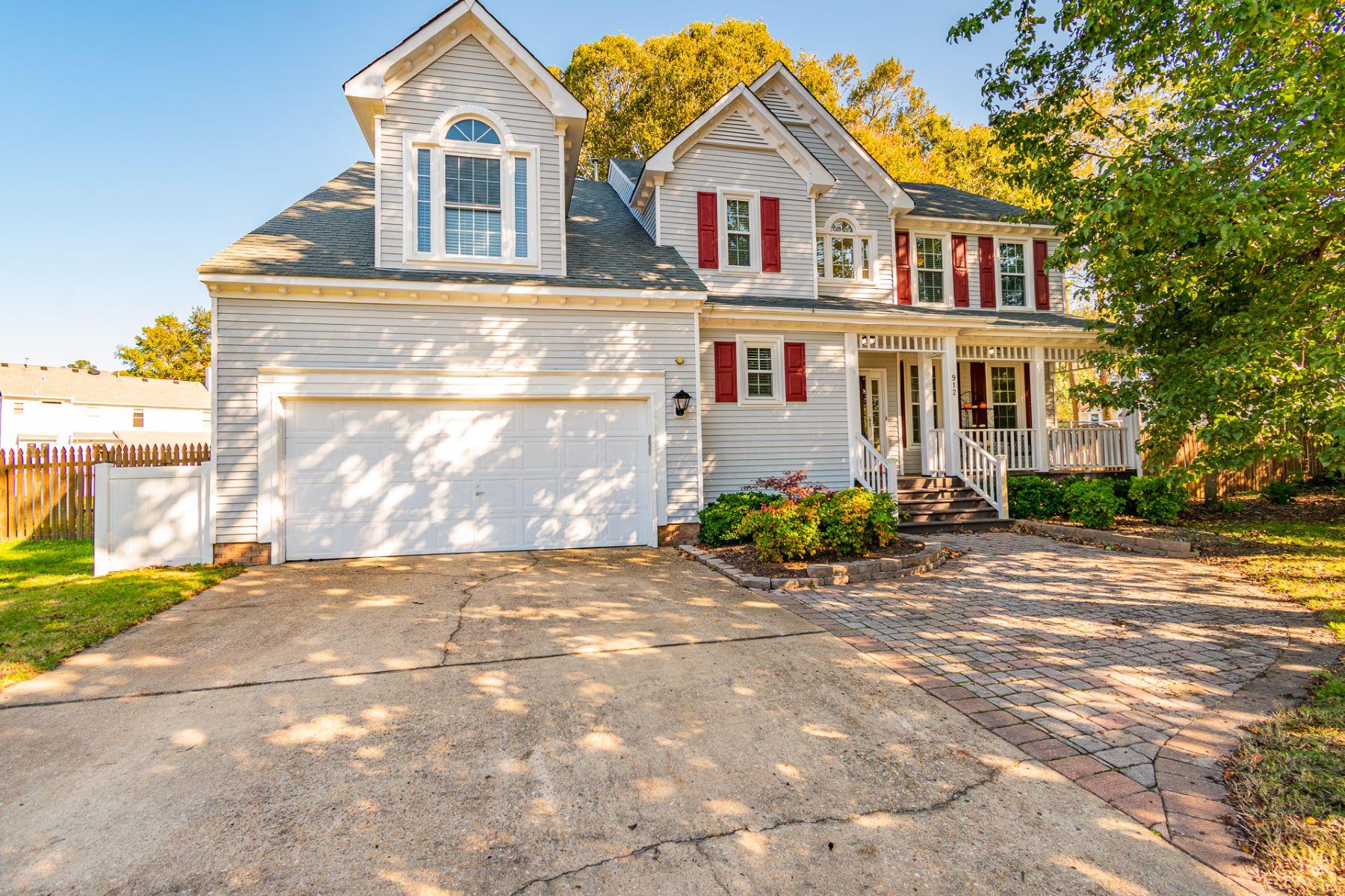 Single Family Homes för Försäljning vid Upton Farms 912 Blackthorne Drive, Chesapeake, Virginia 23322 Förenta staterna