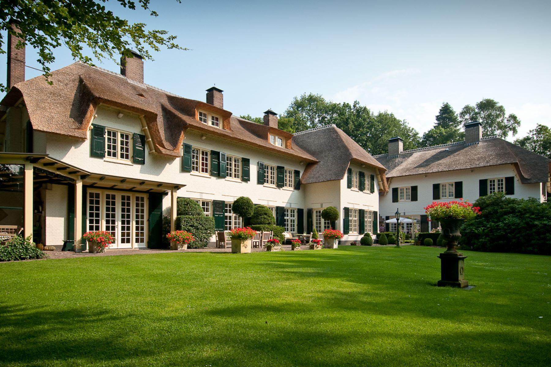 "Single Family Homes для того Продажа на Estate ""Jagersbosch"" Helvoirtseweg 195 Vught, Северный Брабант 5263 EE Нидерланды"