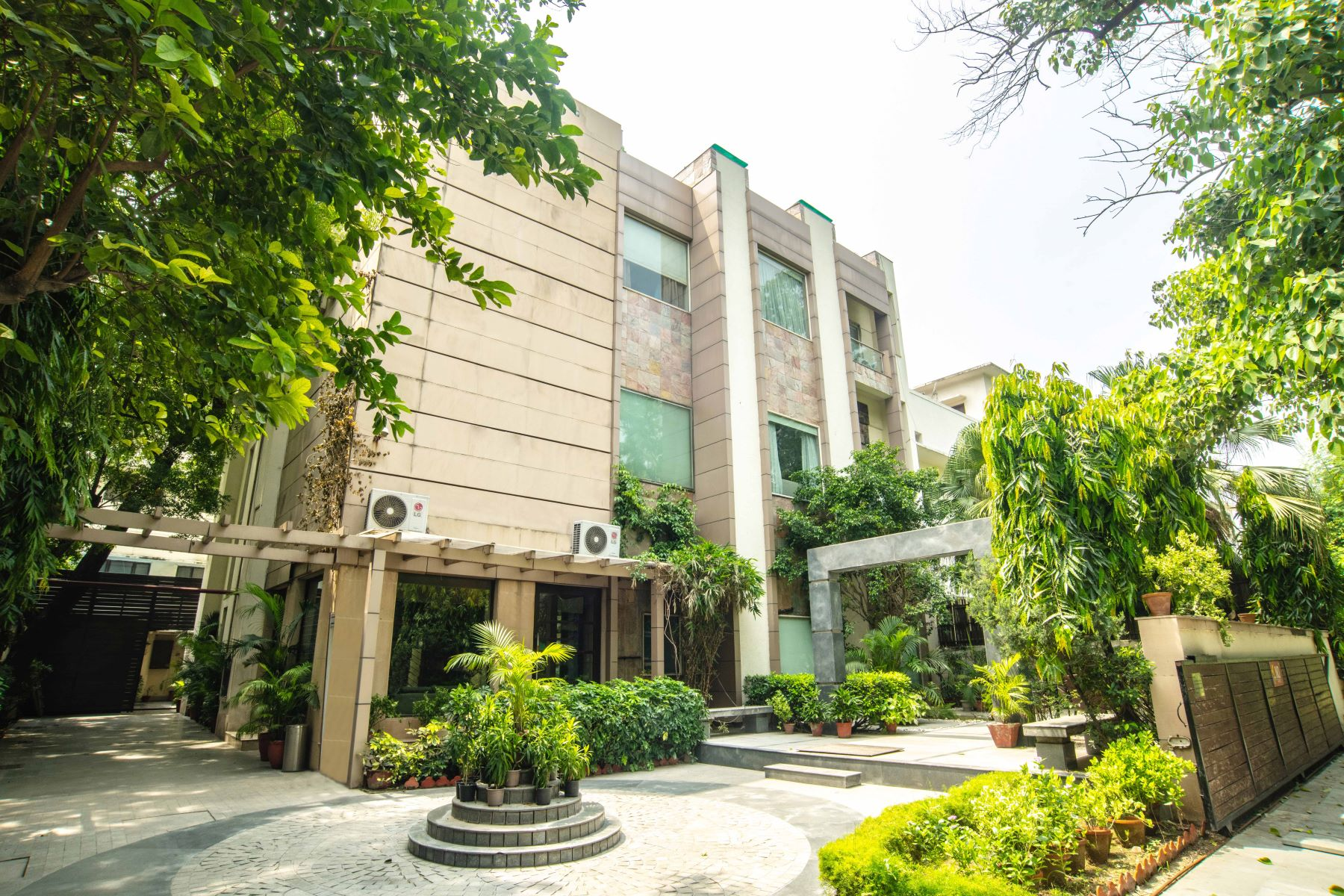 Single Family Homes for Sale at Bungalow in Lutyens Bungalow Zone Sunder Nagar New Delhi, Delhi 110013 India