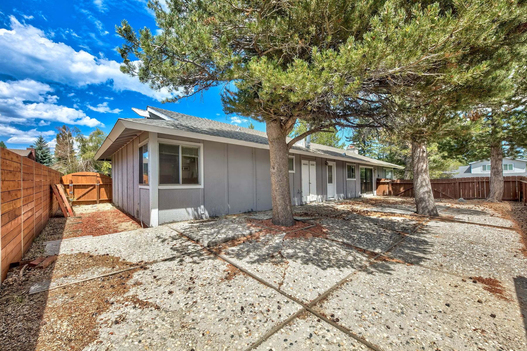 Additional photo for property listing at Tahoe Keys Home with Boat Dock 2254 Balboa Drive South Lake Tahoe, California 96150 United States