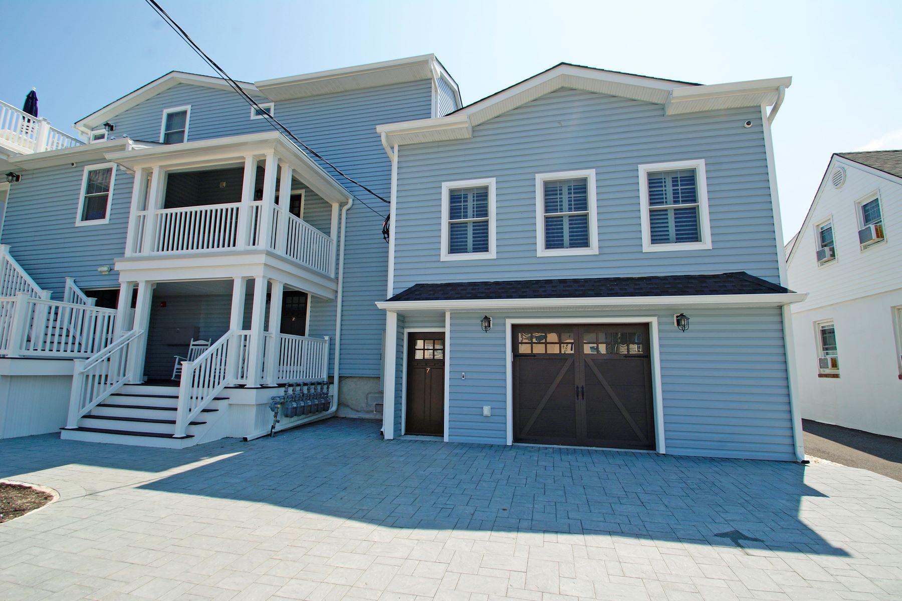 Condominiums для того Продажа на Beautifully Renovated Condo Just Steps To The Beach 1301 Ocean Avenue Unit #2, Point Pleasant Beach, Нью-Джерси 08742 Соединенные Штаты