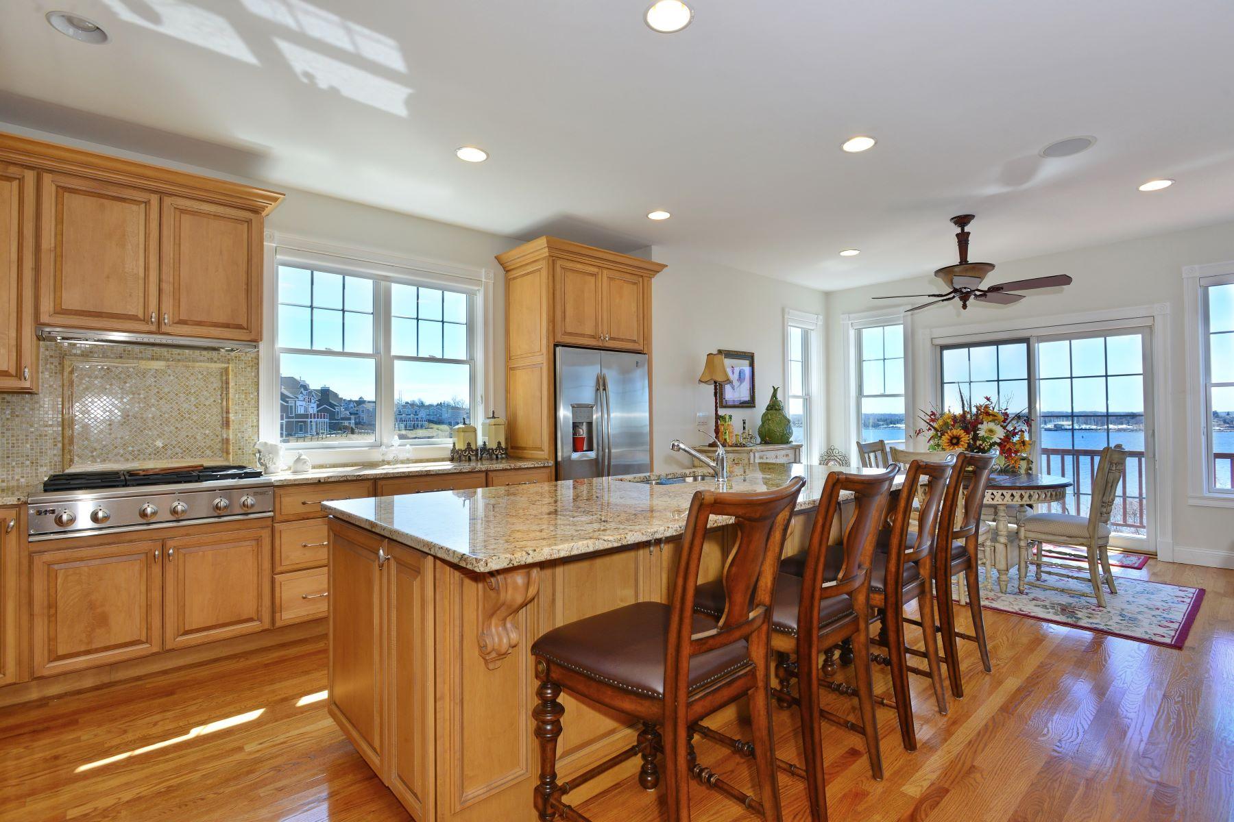 Condominiums por un Venta en Villages on Mount Hope Bay 81 Leeshore Lane Tiverton, Rhode Island 02878 Estados Unidos