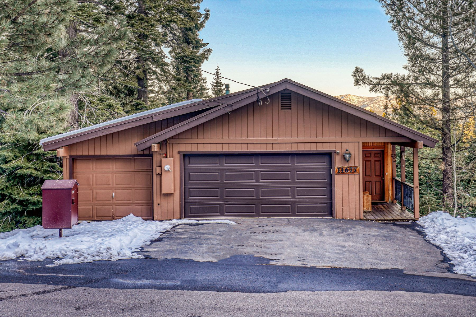Single Family Homes for Active at 11677 Chamonix Road Truckee, California 96161 United States