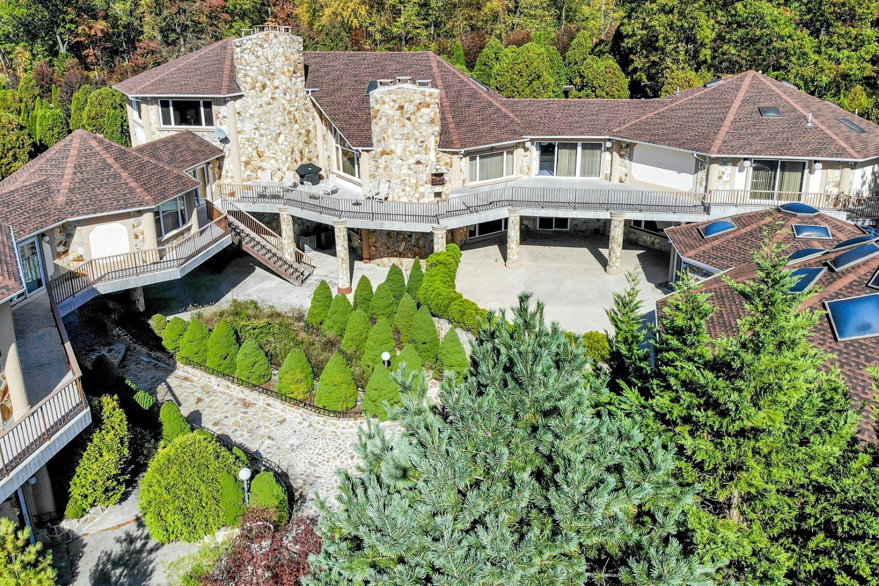 Single Family Homes للـ Sale في 23 Graceview Drive Kinnelon NJ 07405 Kinnelon, New Jersey 07405 United States